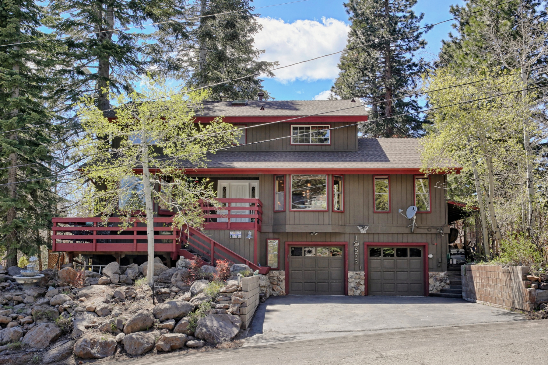 Single Family Home for Active at 10873 Blueberry Road, Truckee, CA Truckee, California 96161 United States