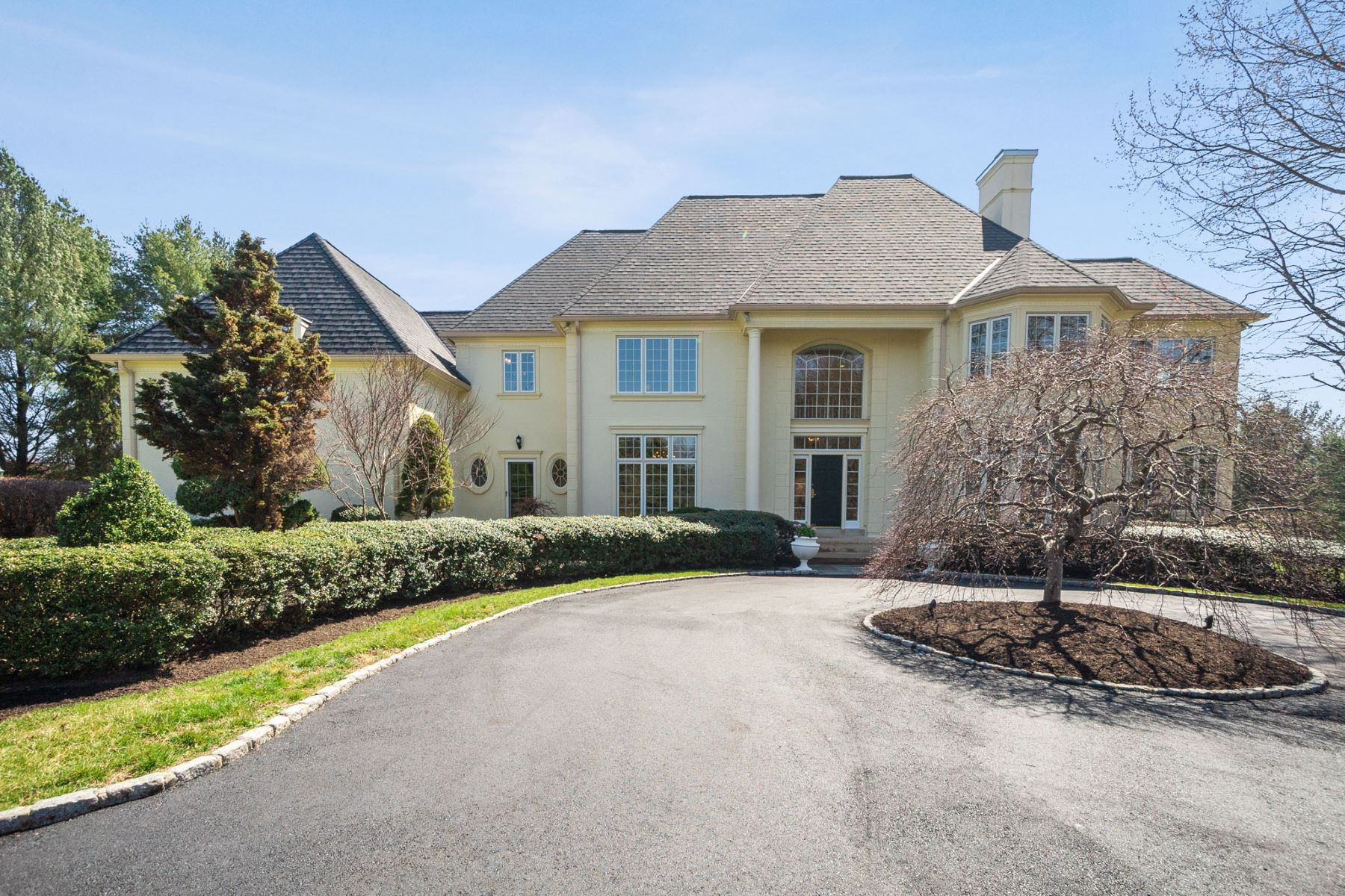 Single Family Homes for Sale at 1280 Continental Line Ln., West Chester, PA 19382 1280 Continental Line Ln. West Chester, Pennsylvania 19382 United States