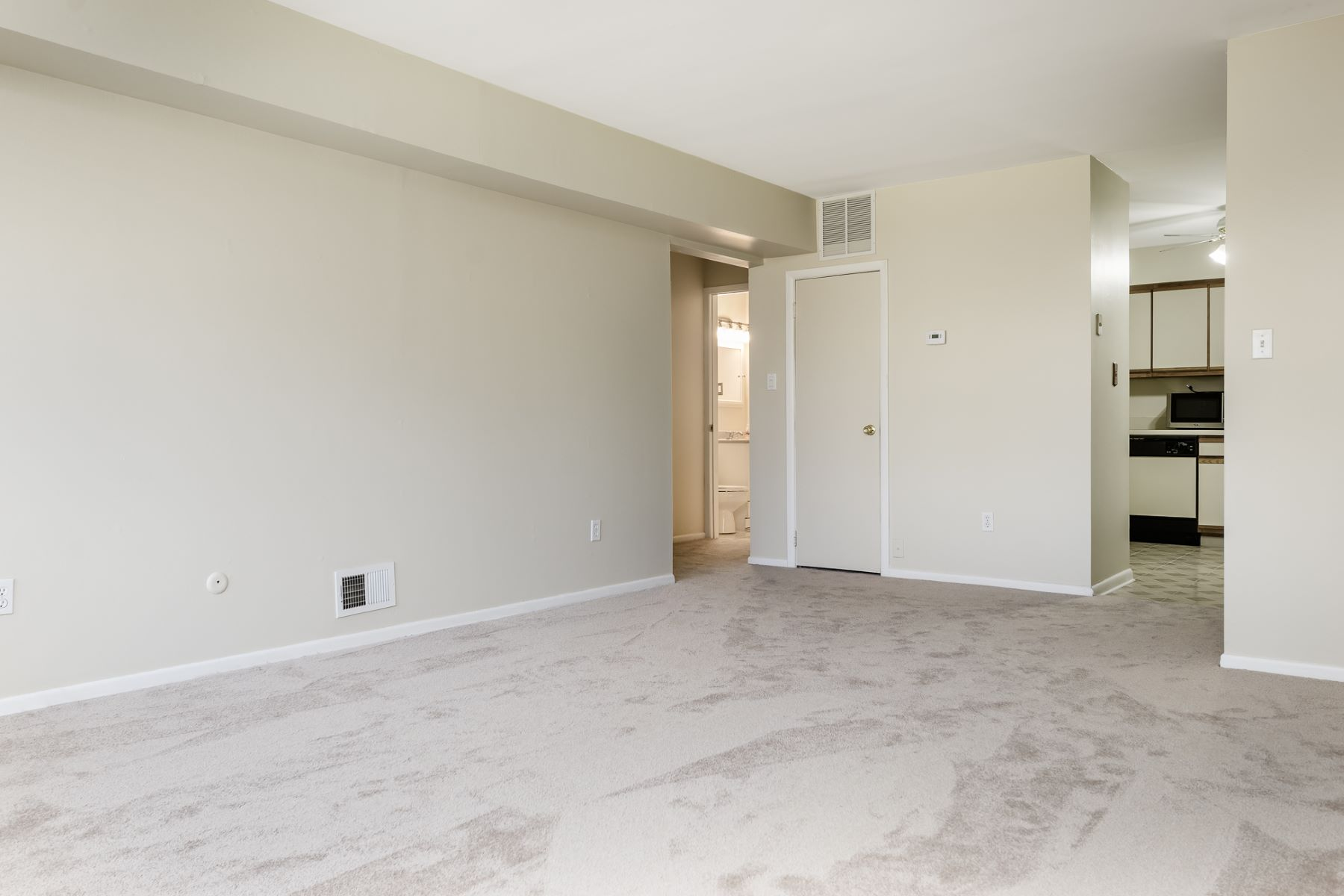Additional photo for property listing at First Floor Unit Available for Rent 13K Akron Drive, East Windsor, New Jersey 08520 United States