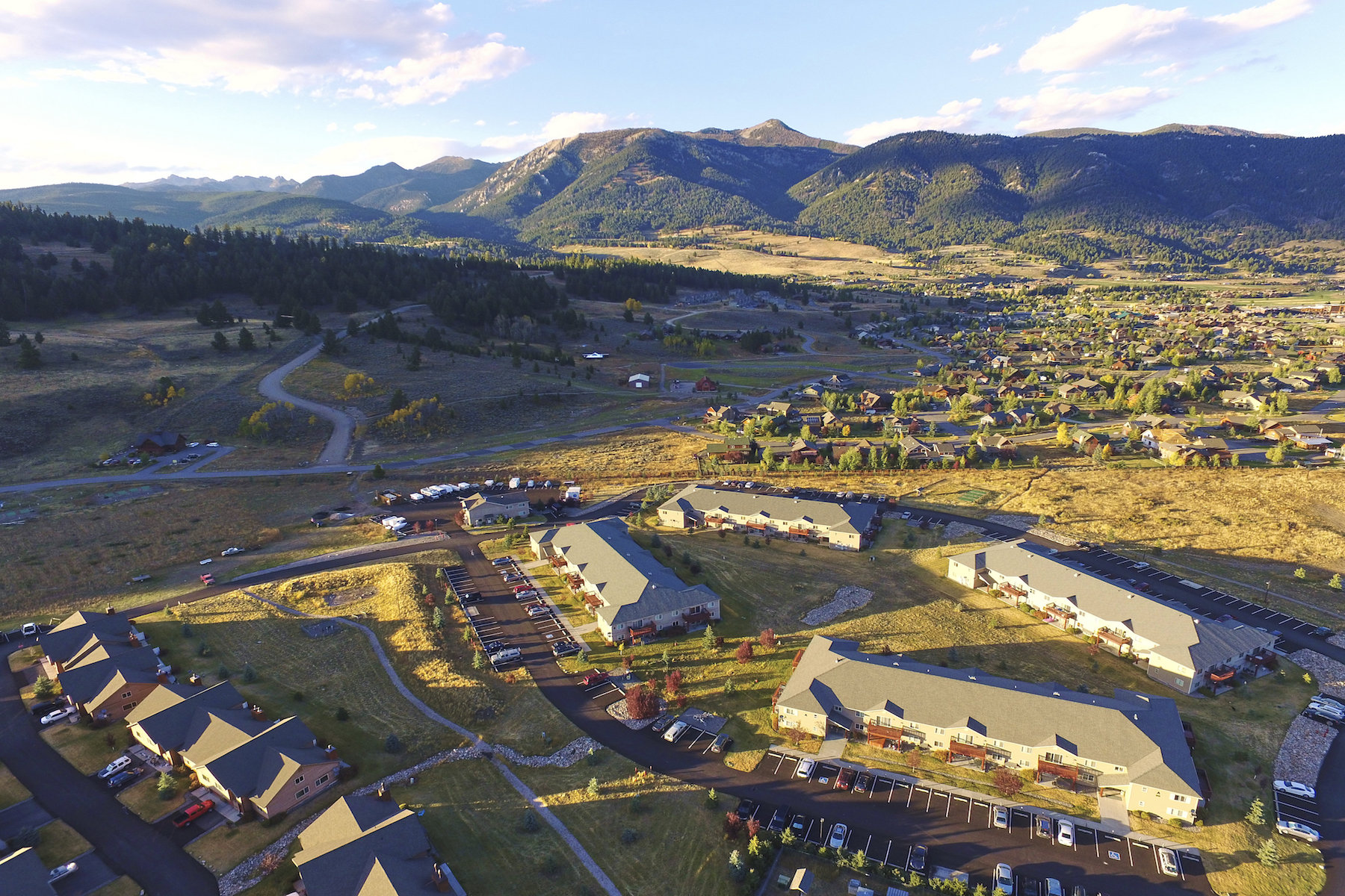Condominio per Vendita alle ore Firelight Condo B16 155 Aurora Lights Drive, B16 Big Sky, Montana, 59716 Stati Uniti