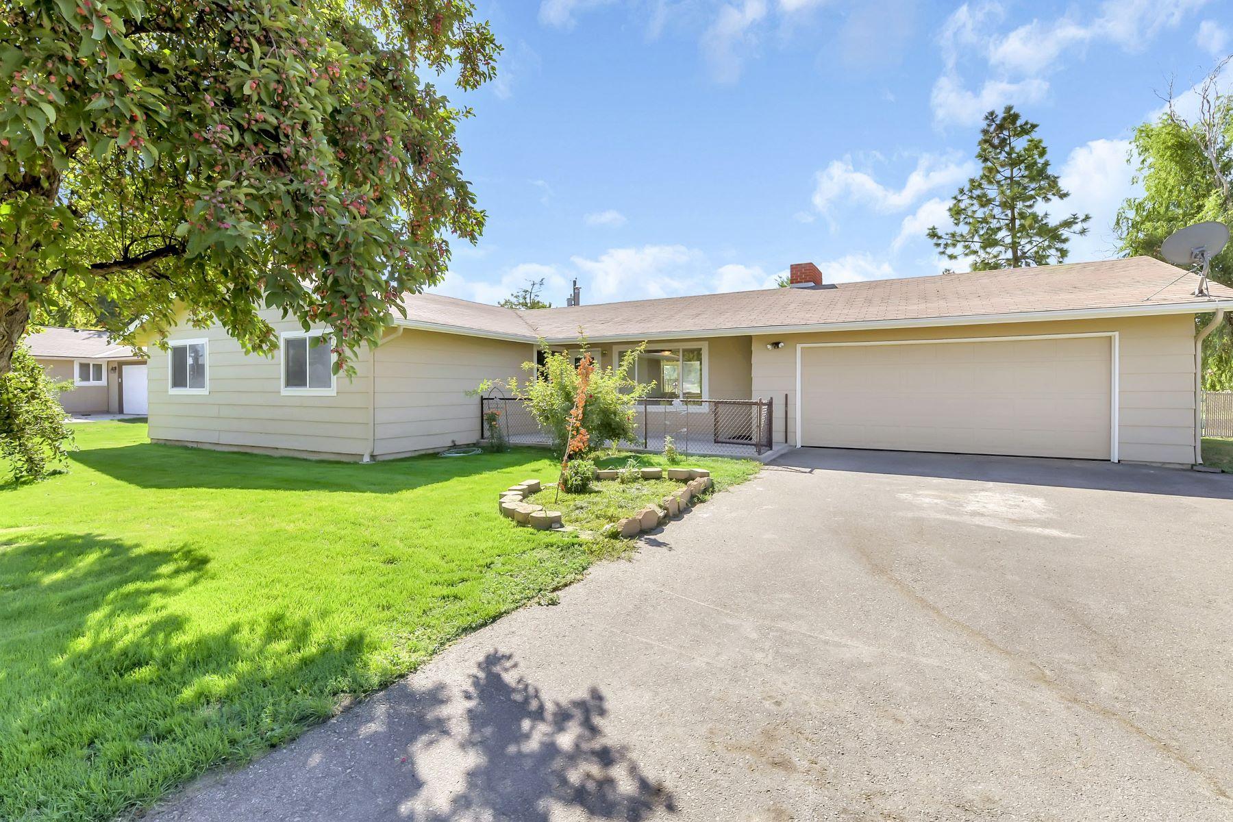 Single Family Homes for Sale at 1985 Waltman Street, Meridian 1985 W Waltman St Meridian, Idaho 83642 United States