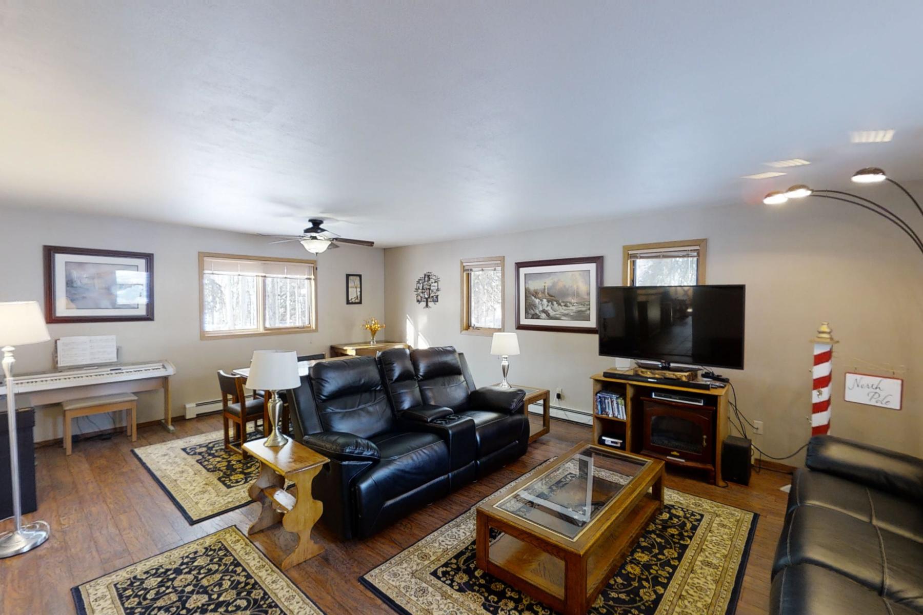 Single Family Homes للـ Sale في North Pole, Alaska 99705 United States