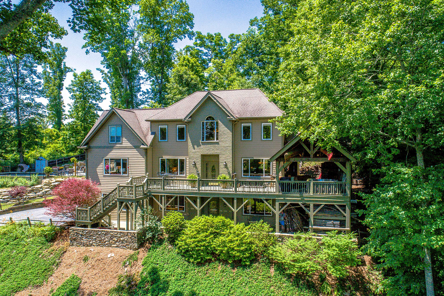 Single Family Home for Active at BLUE RIDGE MOUNTAIN LIVING AT ITS FINEST 61 Foxridge Dr Fletcher, North Carolina 28732 United States