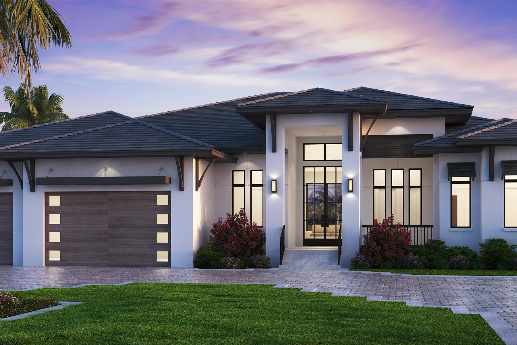 Single Family Homes pour l Vente à NAPLES - MOORINGS 3180 Crayton Road Naples, Floride 34103 États-Unis
