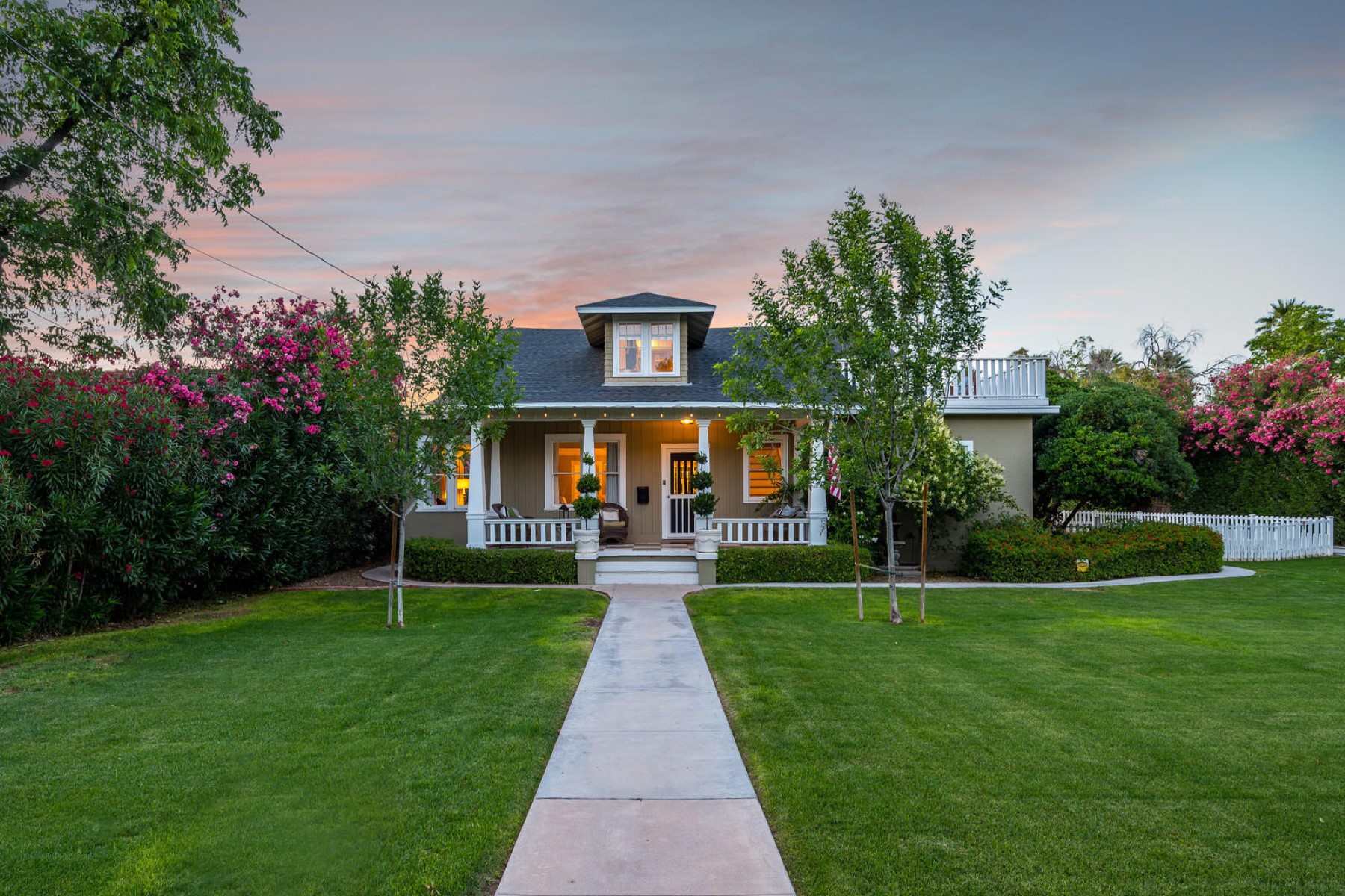 Single Family Homes por un Venta en Downtown Historic Mesa 142 W 2nd ST Mesa, Arizona 85201 Estados Unidos