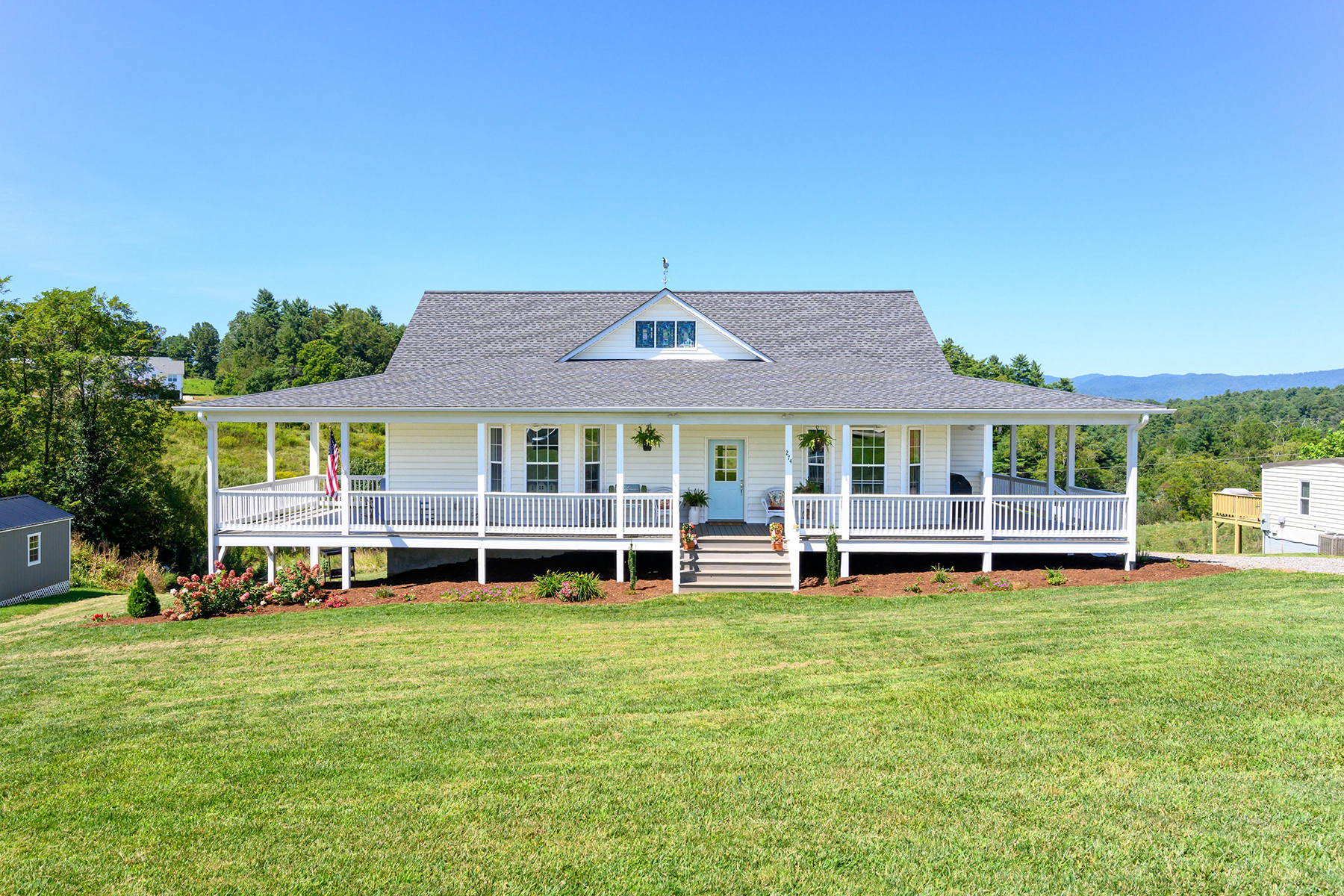 Single Family Homes for Active at LEICESTER 274 Tipton Hill Rd Leicester, North Carolina 28748 United States