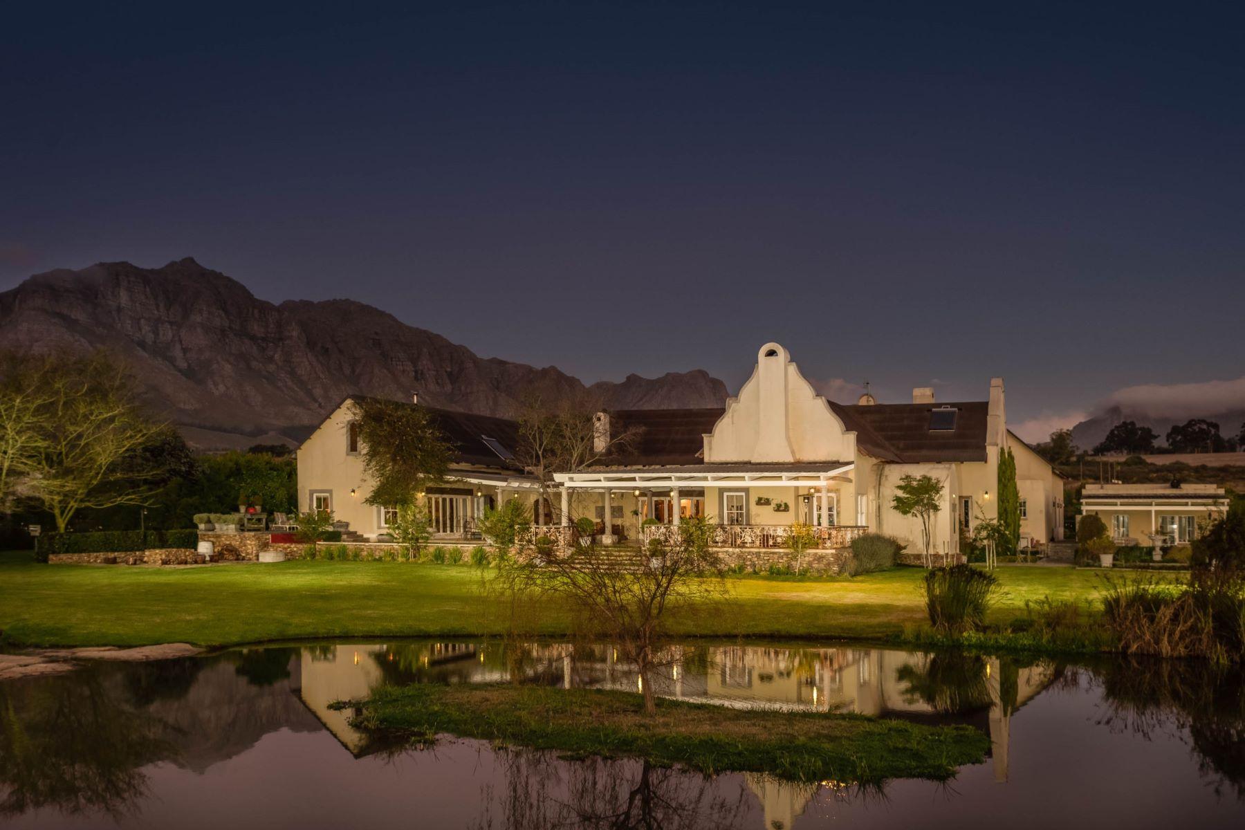 独户住宅 为 销售 在 Unique Stellenbosch Lifestyle Property Patrysvlei 斯泰伦博斯, 西开普省, 7600 南非