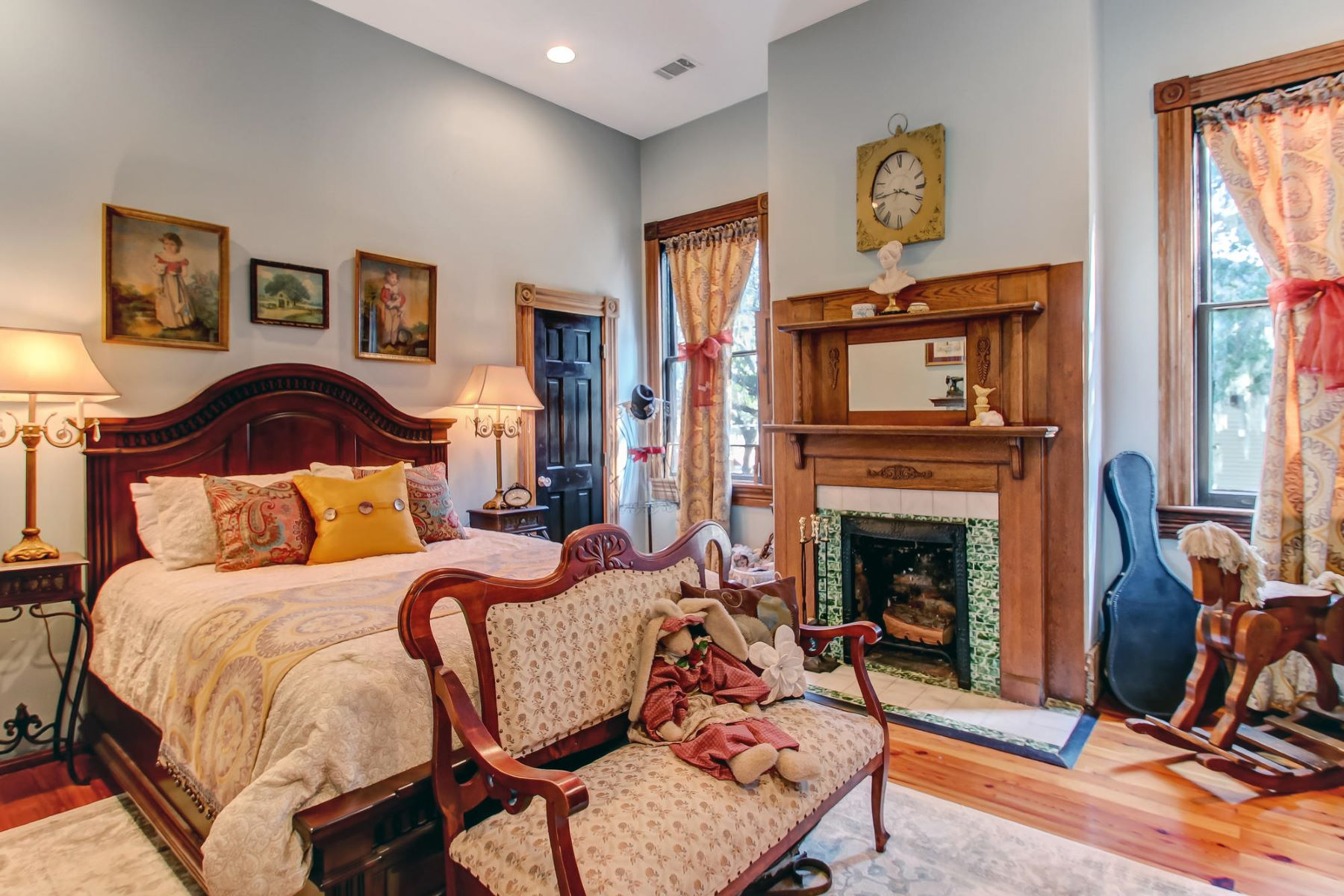 Additional photo for property listing at  Savannah, Джорджия 31401 Соединенные Штаты