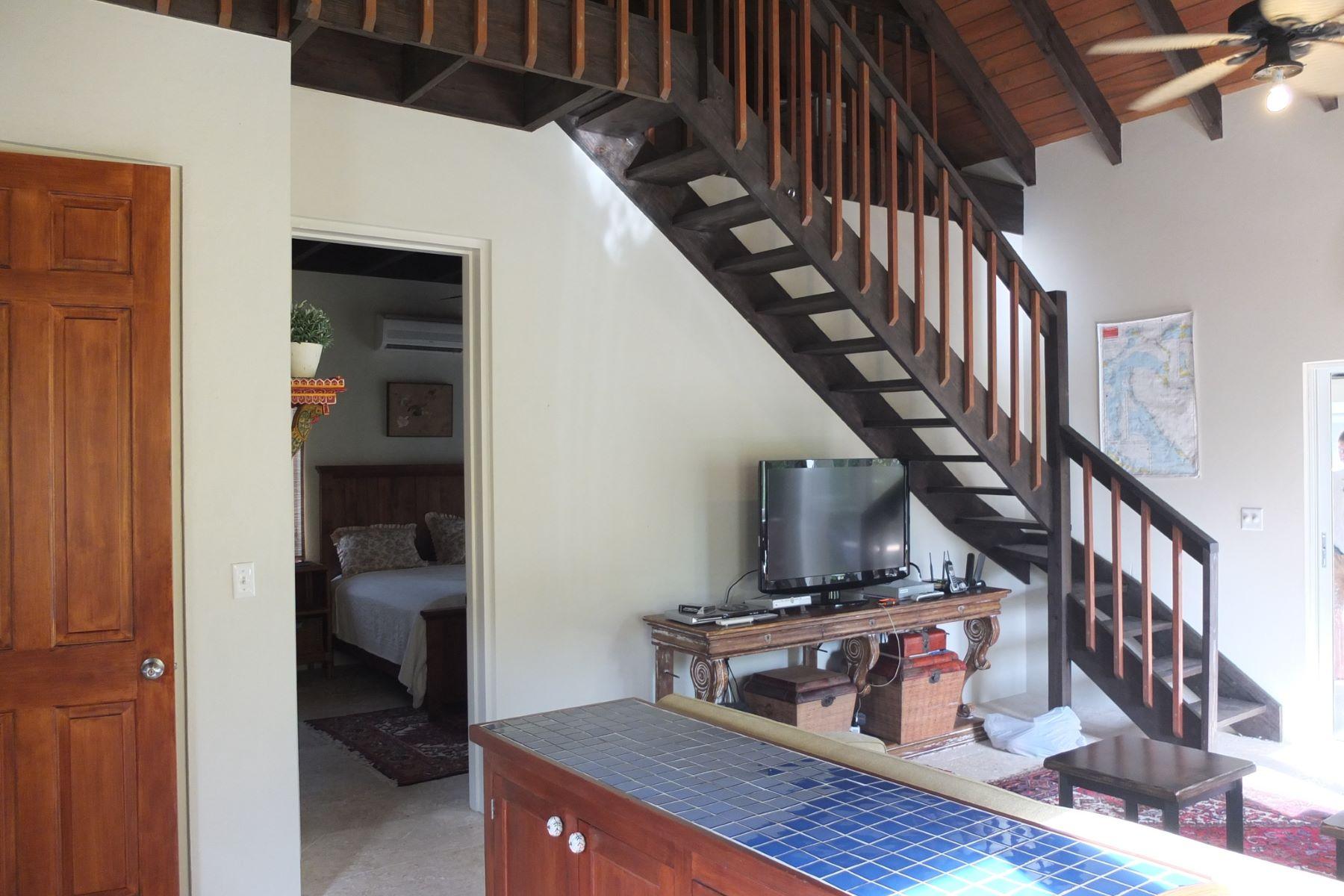 Additional photo for property listing at Sea to Sea Rose Island Cottages Rose Island, Nassau And Paradise Island Bahamas