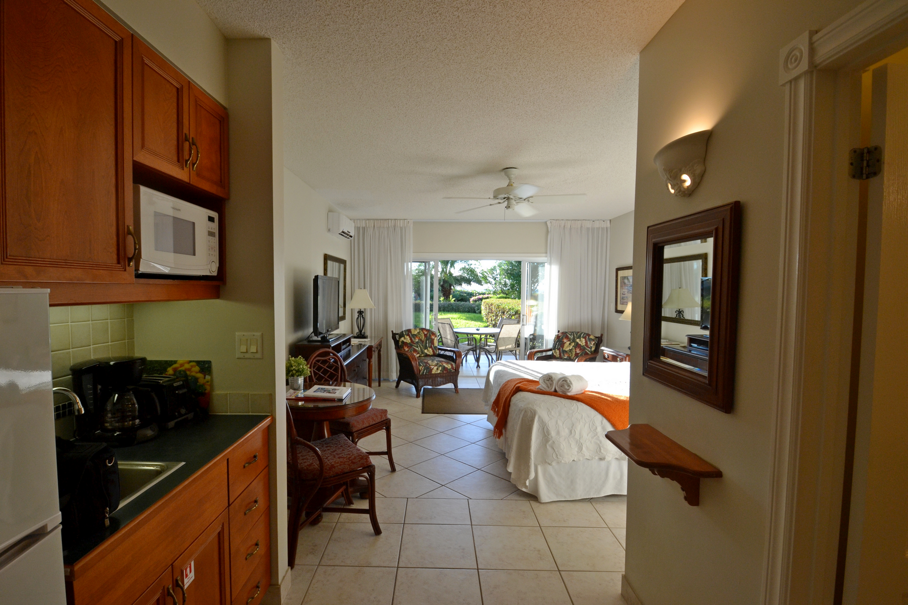 Additional photo for property listing at Royal West Indies - Suite 213 Royal West Indies, Grace Bay, Providenciales Îles Turques Et Caïques