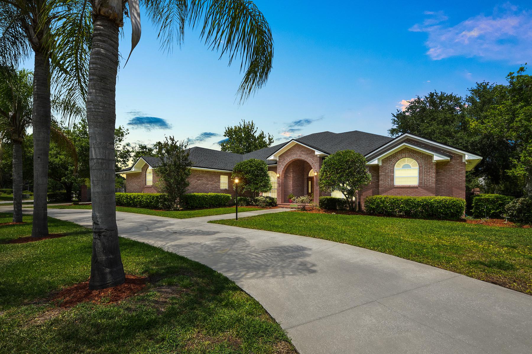 Single Family Homes por un Venta en 8307 Riding Club Road Jacksonville, Florida 32256 Estados Unidos