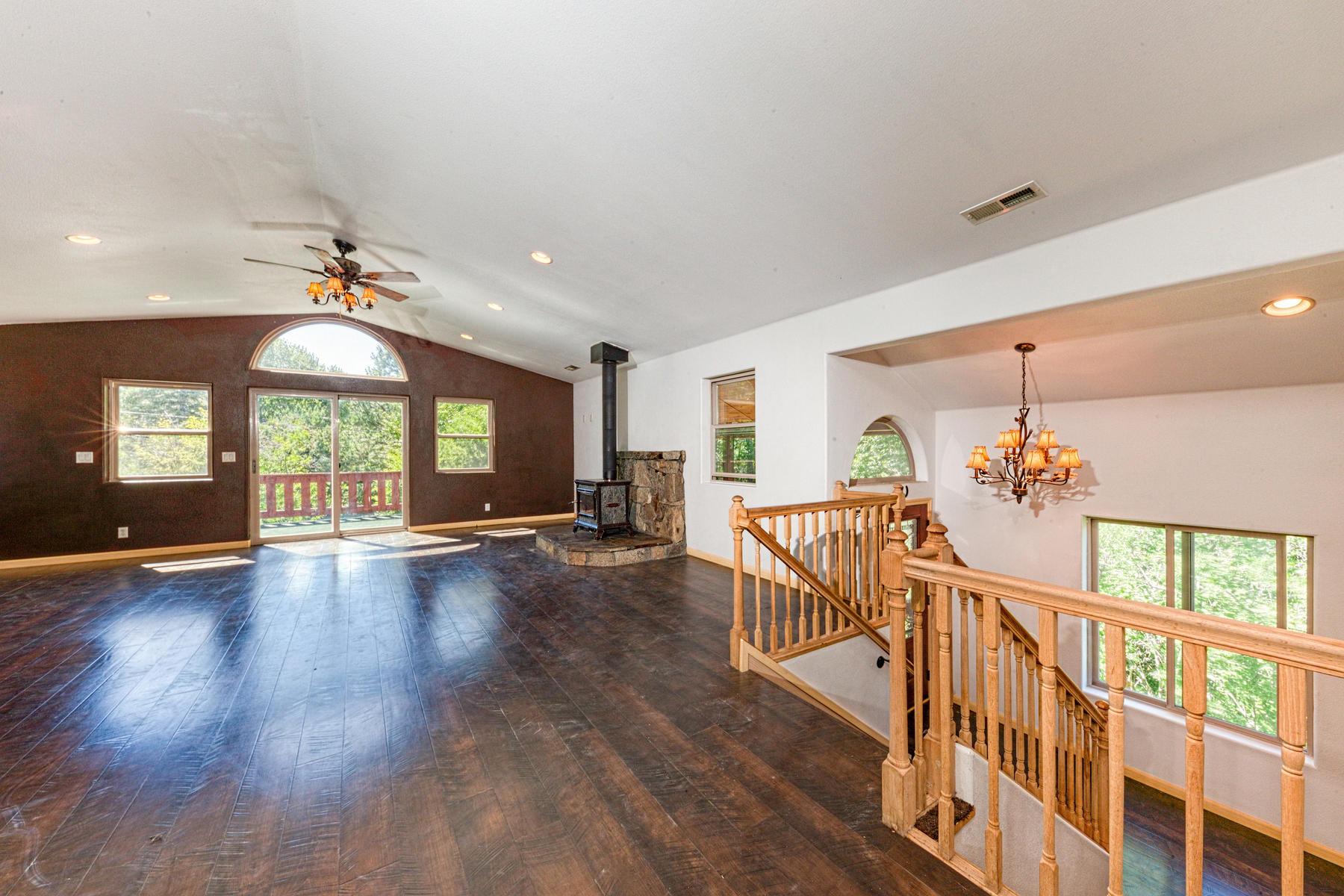 Additional photo for property listing at 538 S Lincoln, Sierraville, CA 538 S Lincoln Sierraville, California 96126 Estados Unidos