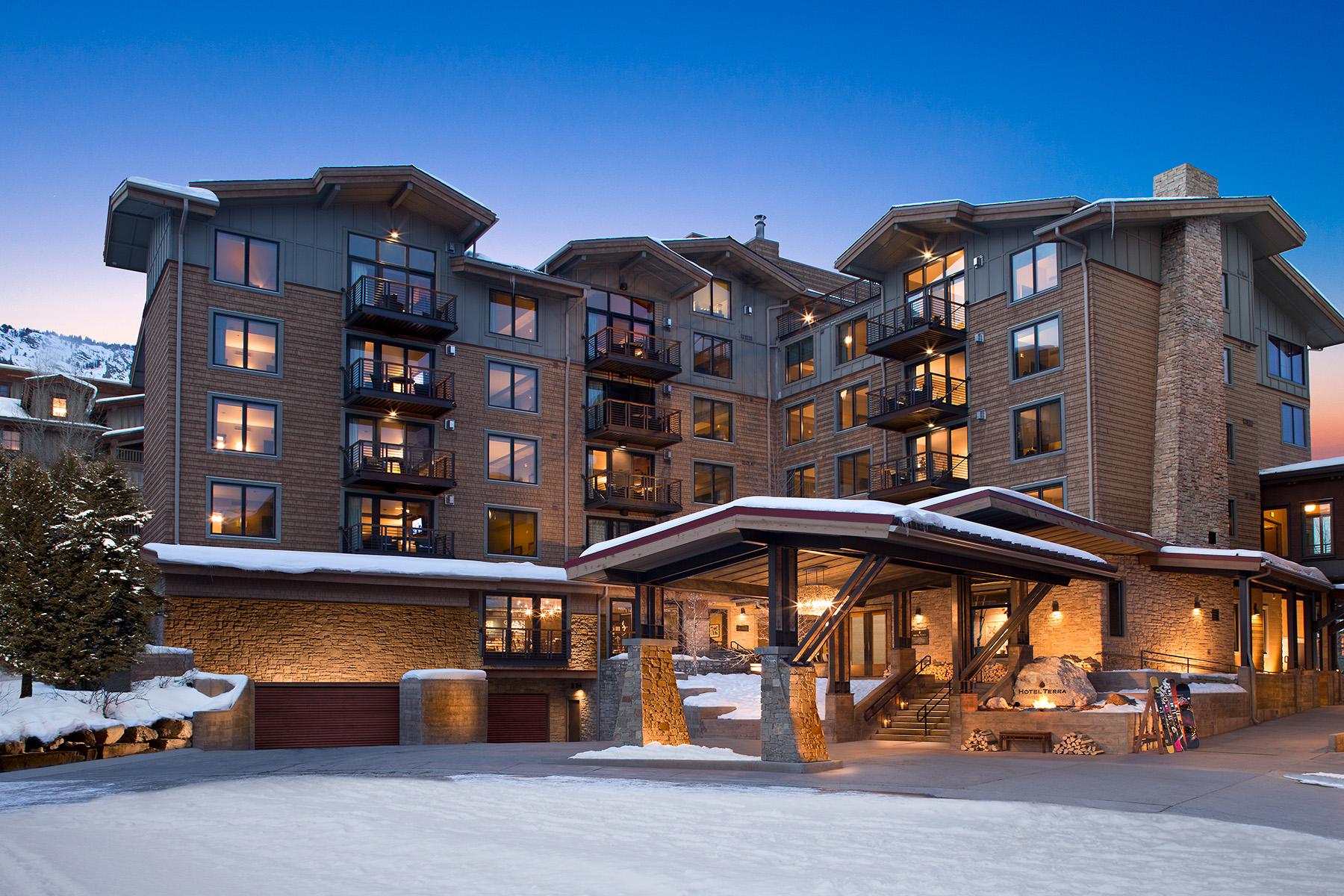 Condomínio para Venda às Mountain Side Hotel Terra Two Bedroom 3335 W VILLAGE DR 204, Teton Village, Wyoming, 83025 Jackson Hole, Estados Unidos
