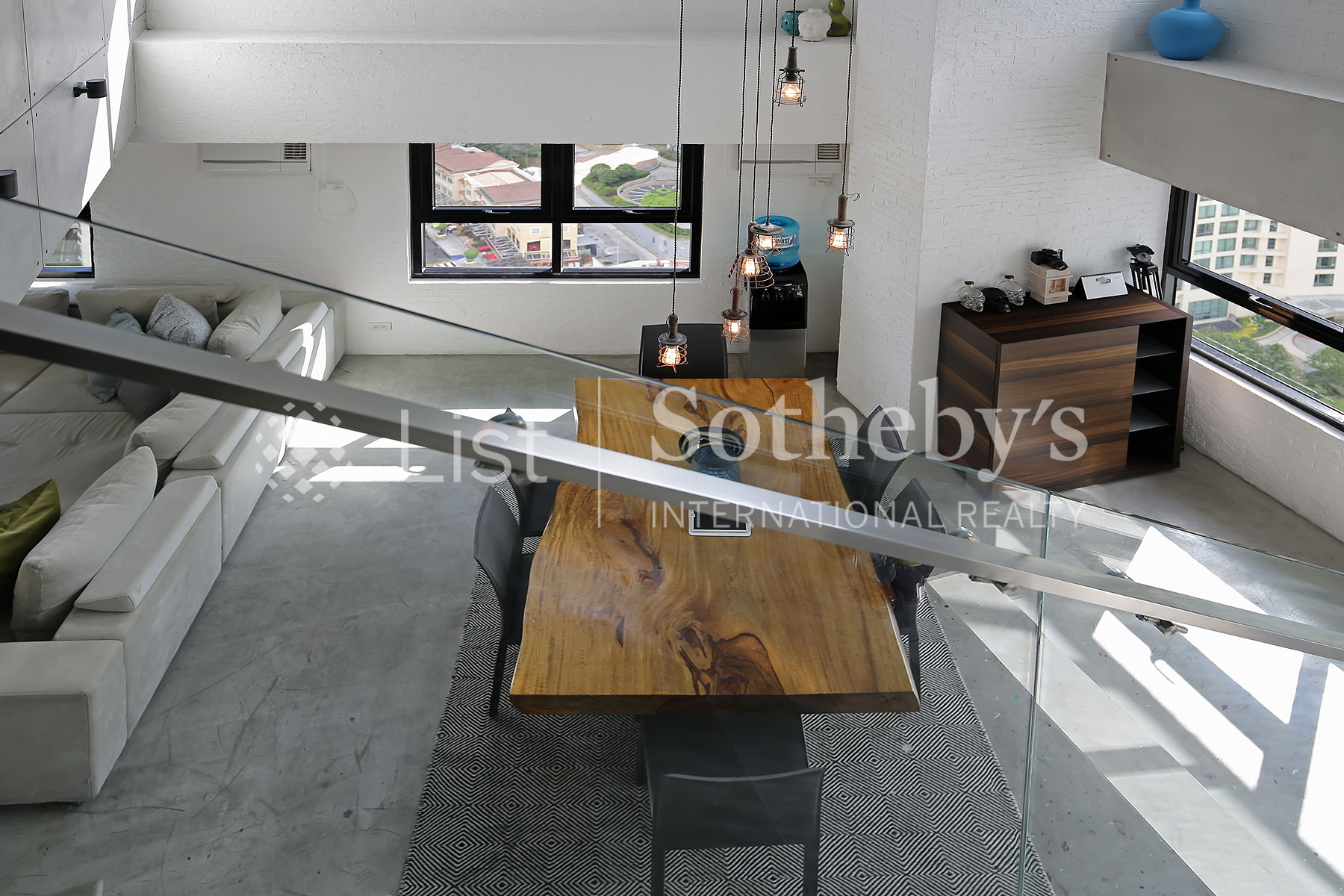Additional photo for property listing at Interior Designed Custom Built New York Style Loft Apartment  Taguig, Luzon 1643 Philippines