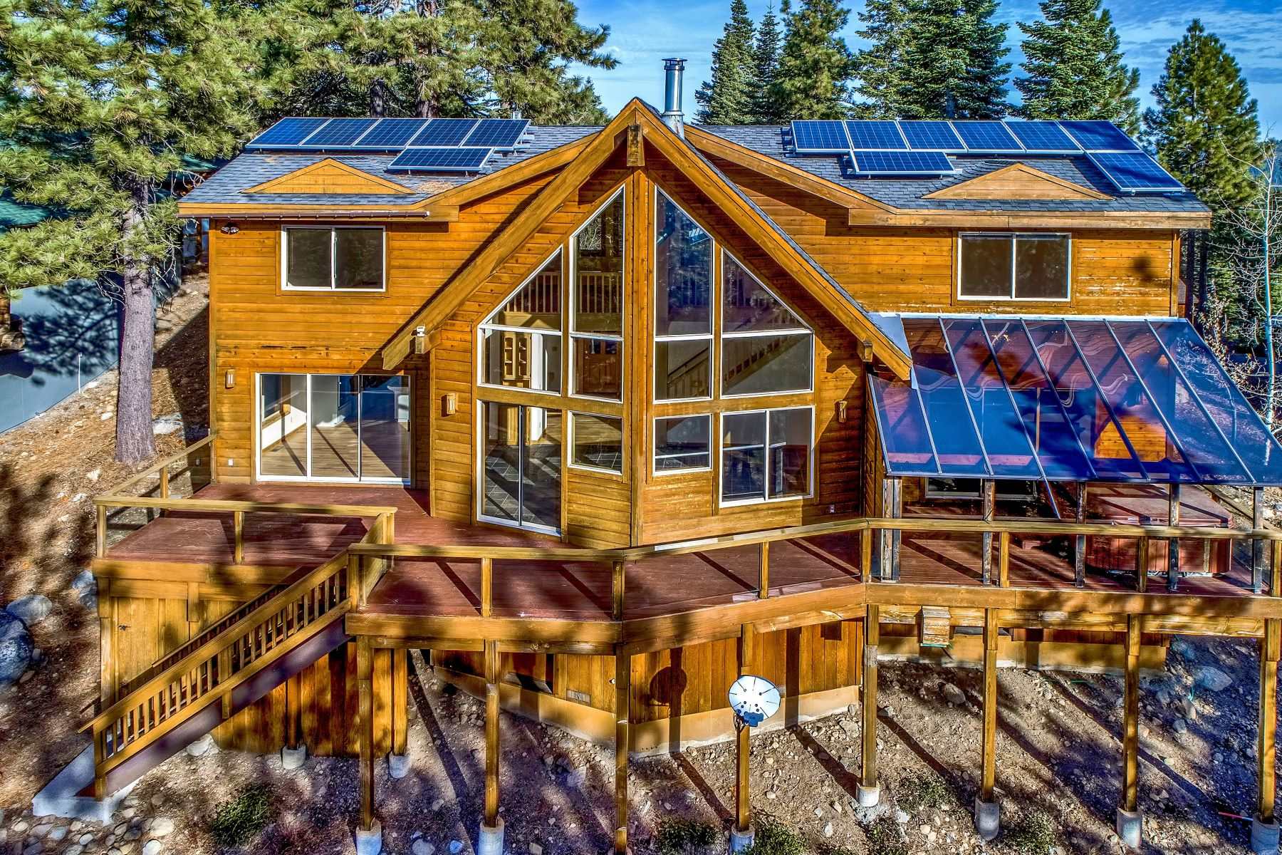 Single Family Homes for Active at 11896 Skislope Way, Truckee California 96161 11896 Skislope Way Truckee, California 96161 United States
