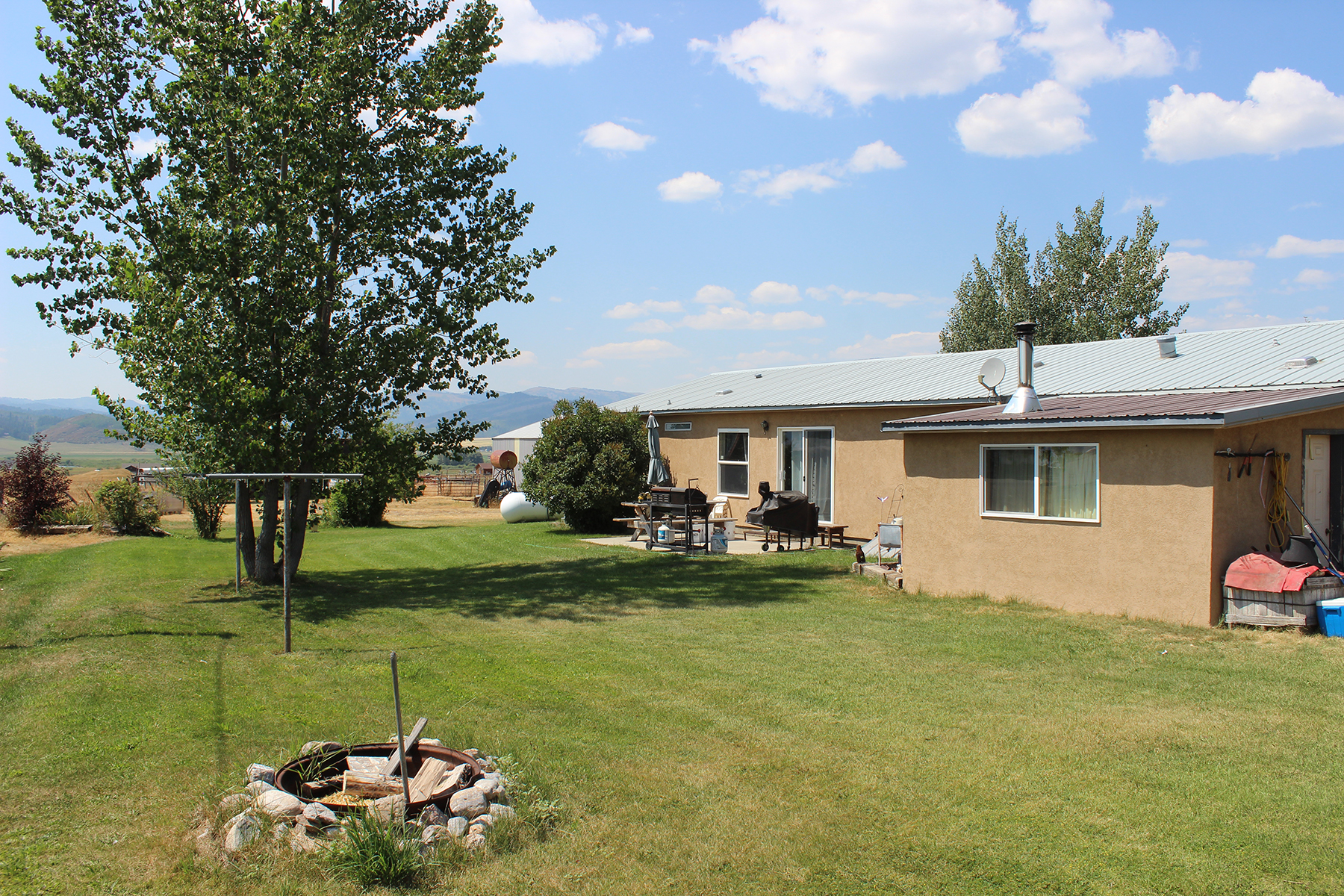 Single Family Homes por un Venta en Commercial/Residential Etna WY 108067 US-89, Etna, Wyoming 83118 Estados Unidos