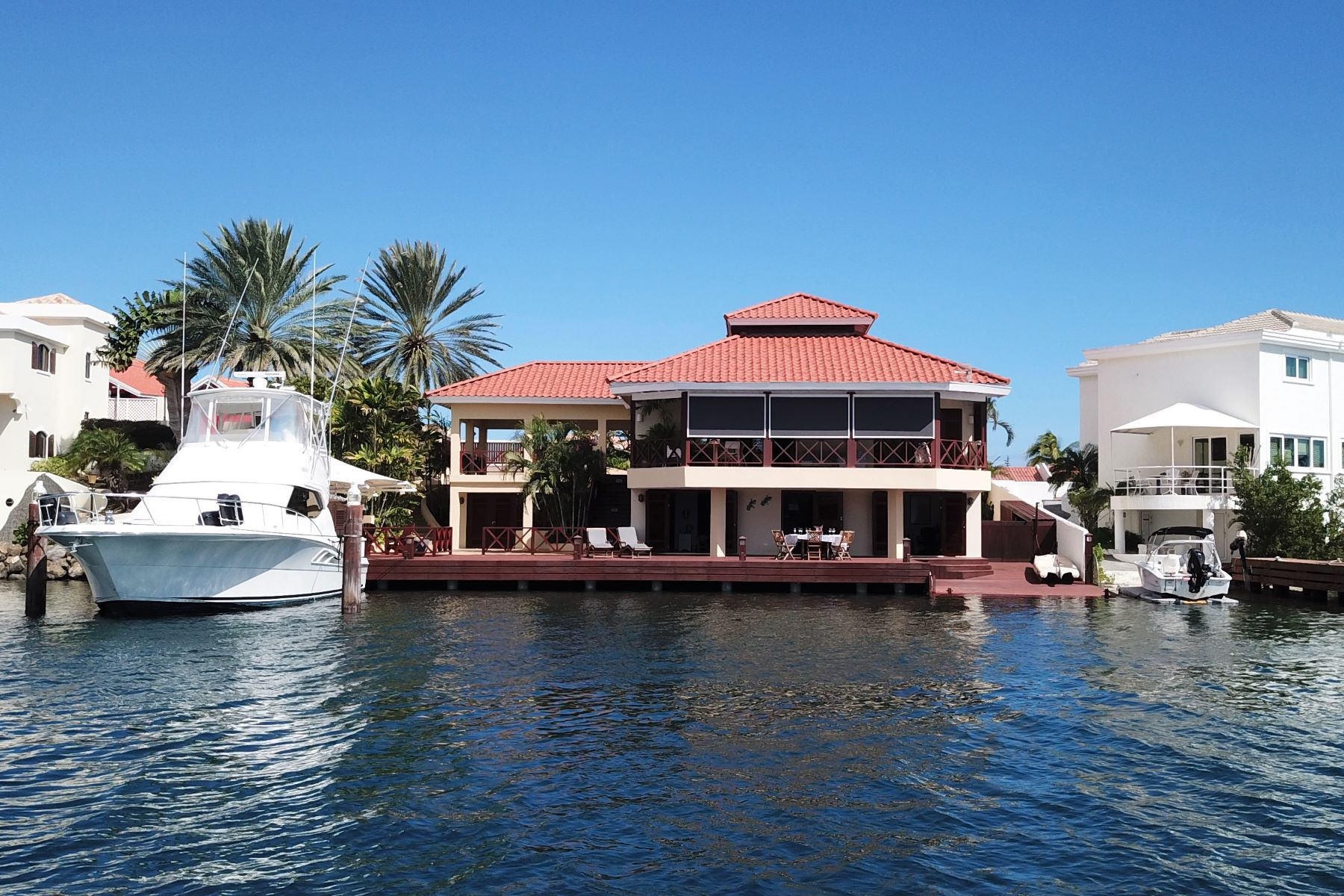 Single Family Homes 용 매매 에 Jan Sofat Waterfront Villa W1E Willemstad, Curacao