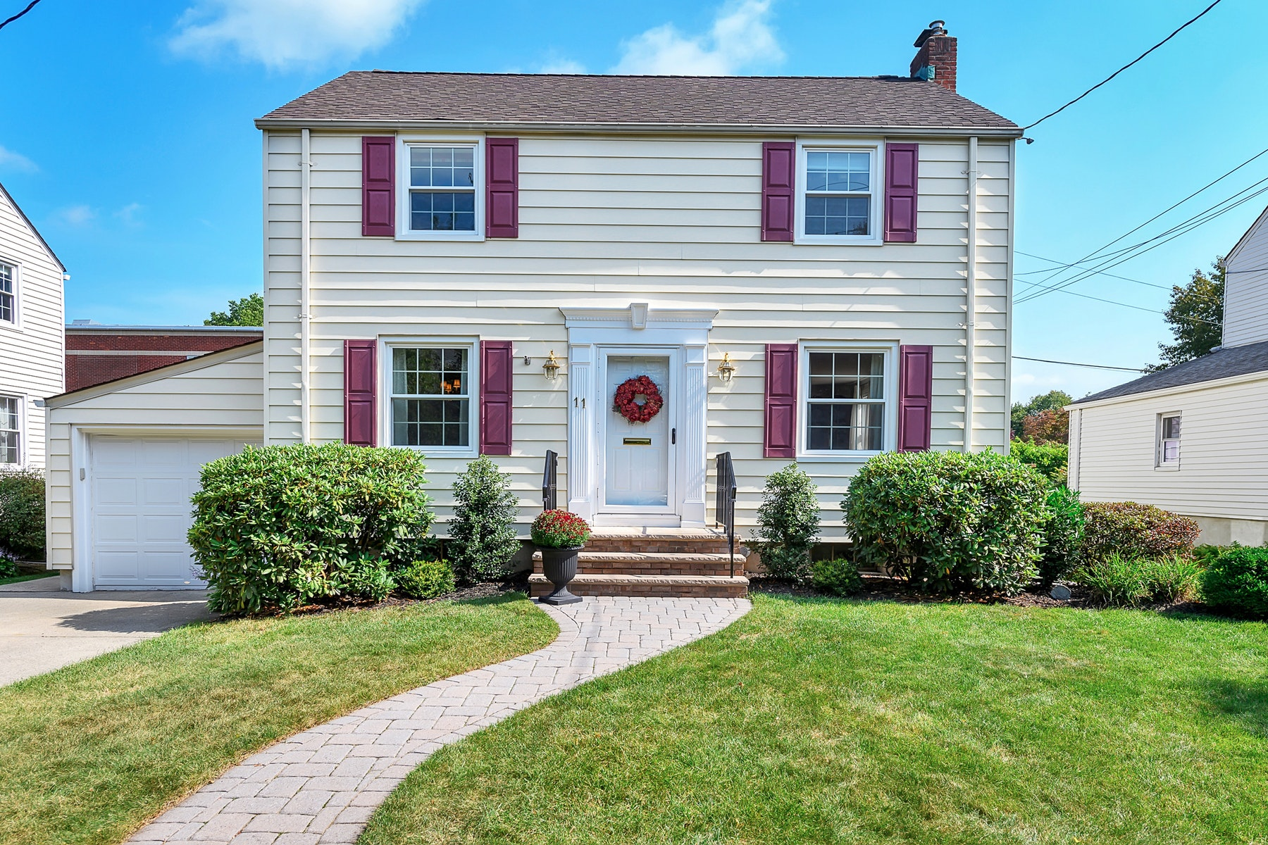 Single Family Homes for Sale at Brookdale Colonial 11 Brookdale Road Bloomfield, New Jersey 07003 United States