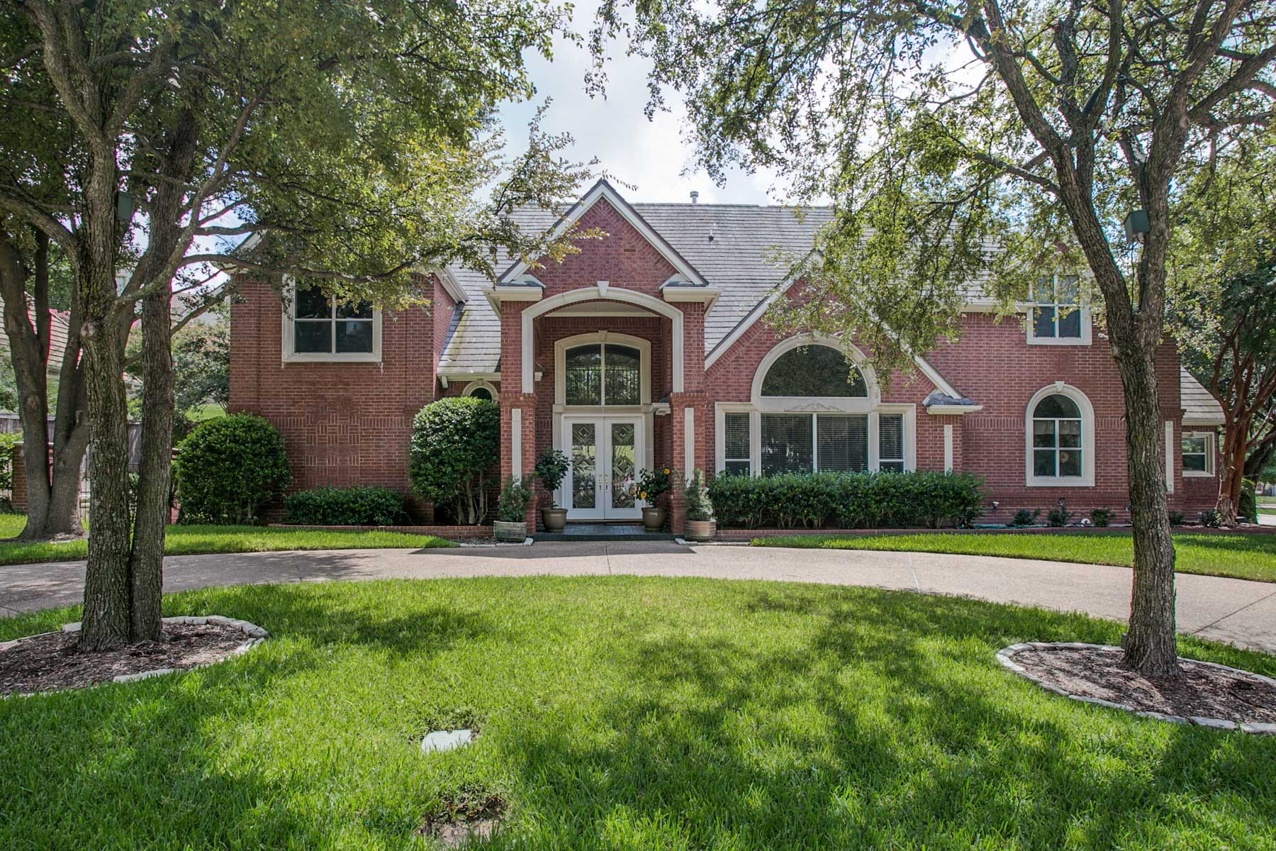 Single Family Home for Sale at Mira Vista Traditional 7029 Saucon Valley Drive, Fort Worth, Texas, 76132 United States