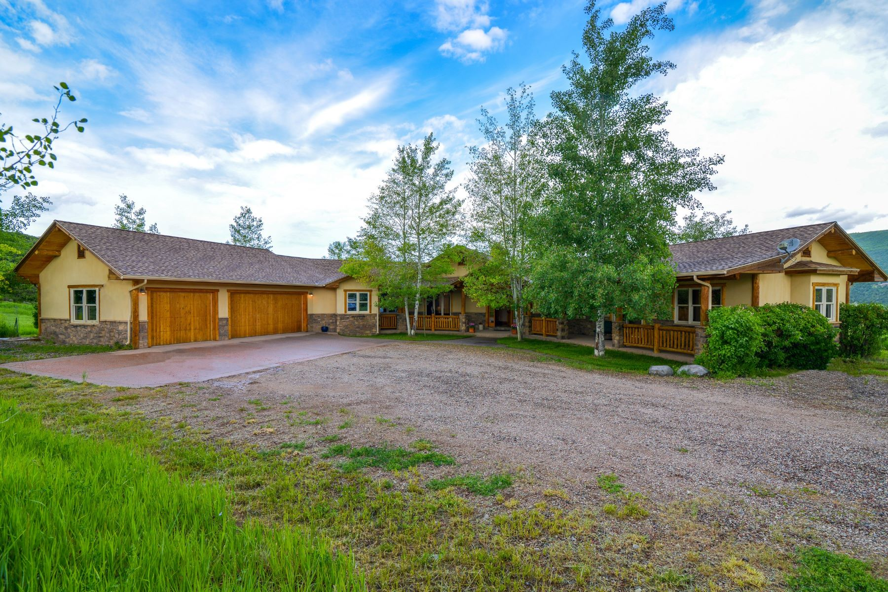 Single Family Homes for Active at 8 Acre Horse Property in Glenwood Springs 486 Heather Lane Glenwood Springs, Colorado 81601 United States