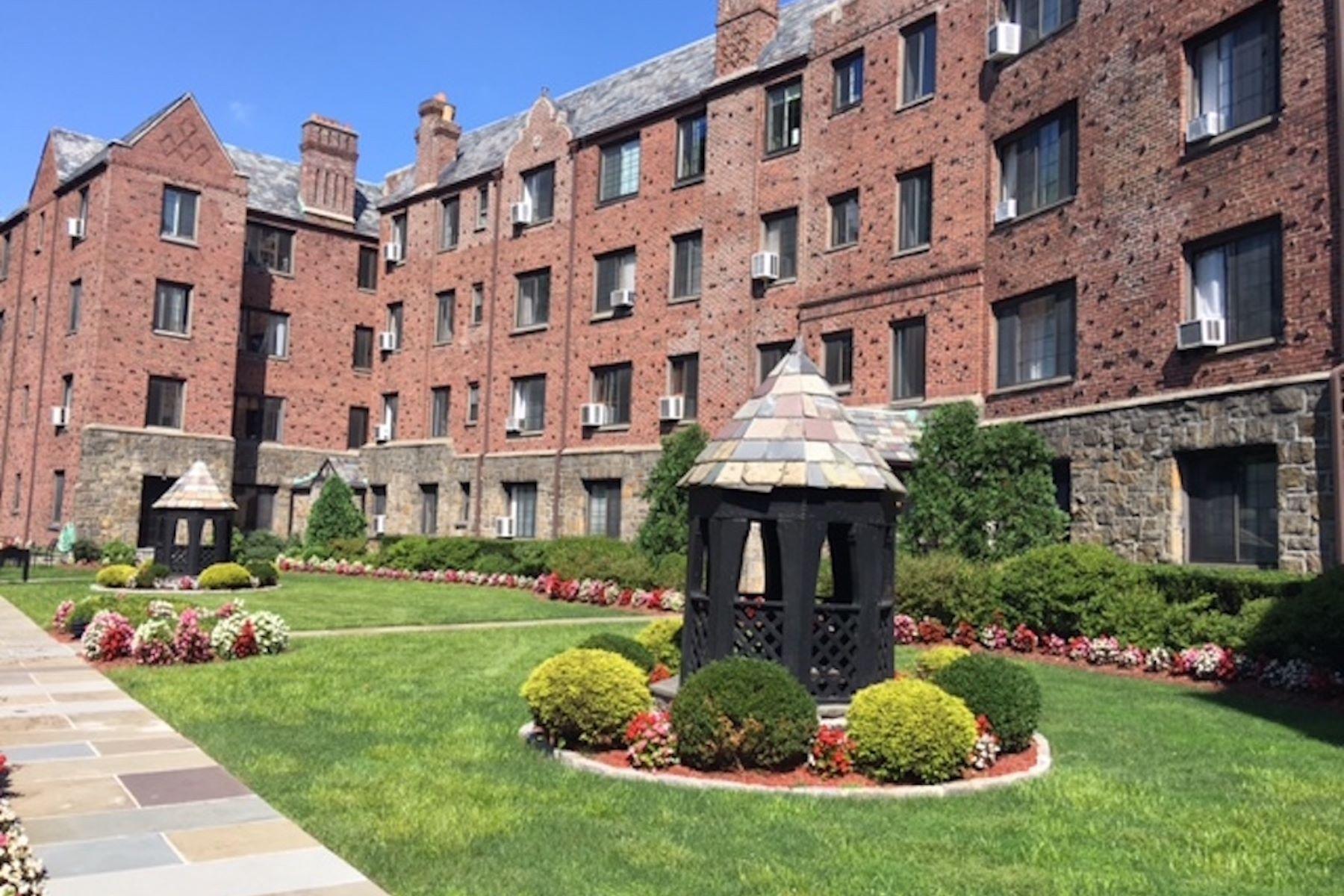 共管式独立产权公寓 为 销售 在 914 Wynnewood Road, 2S 914 Wynnewood Road 2S 佩勒姆马勒衔, 纽约州, 10803 美国