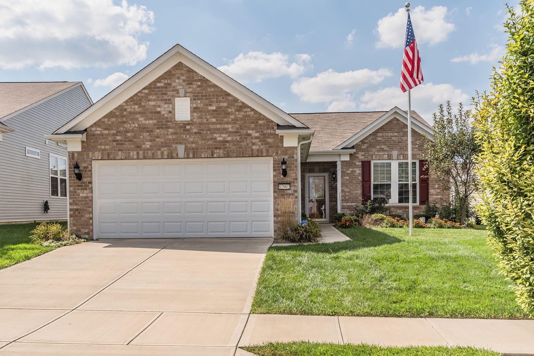 Single Family Homes 为 销售 在 Wonderful Home in Fishers 12902 Mondavi Drive, Fishers, Fishers, 印第安纳州 46037 美国
