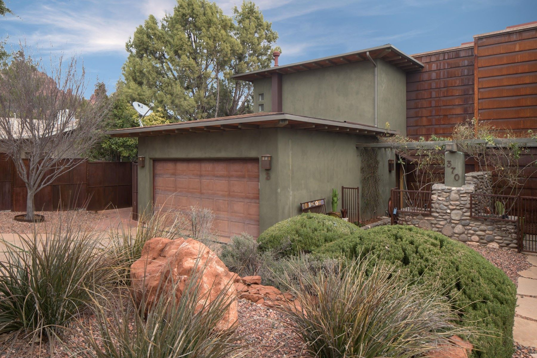 Single Family Home for Sale at Uptown Condo with amazing red rock vies 370 Van Deren Rd B Sedona, Arizona, 86336 United States