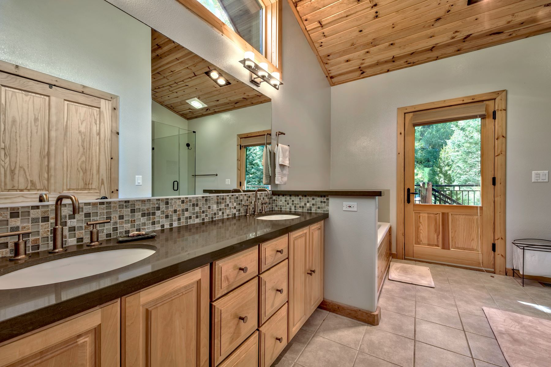 Additional photo for property listing at Squaw Valley Ambiance 92 Winding Creek Road Olympic Valley, California 96146 United States