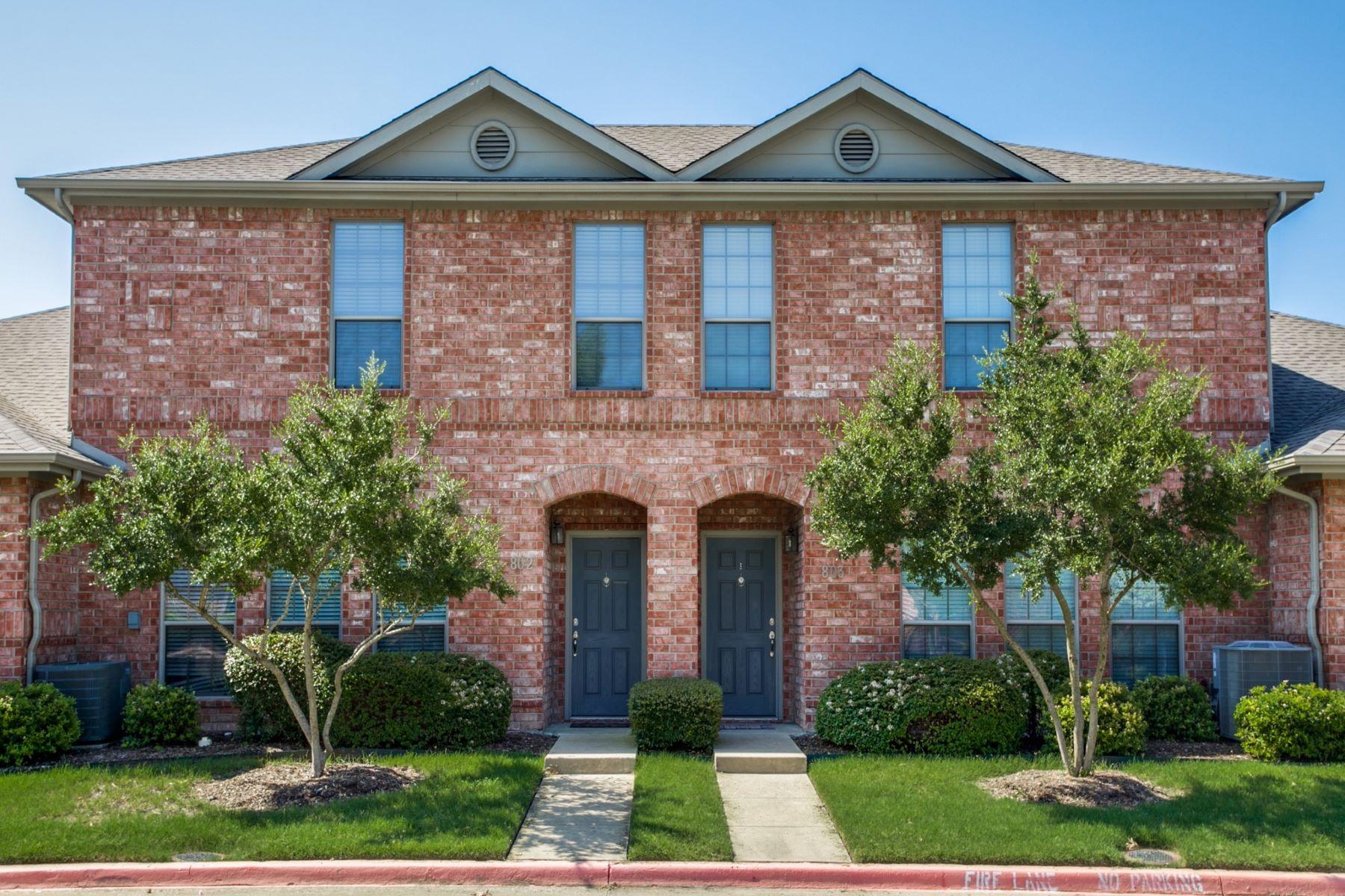 townhouses pour l Vente à Villas of Westridge Townhome 575 S. Virginia Hills Drive #802, McKinney, Texas 75072 États-Unis