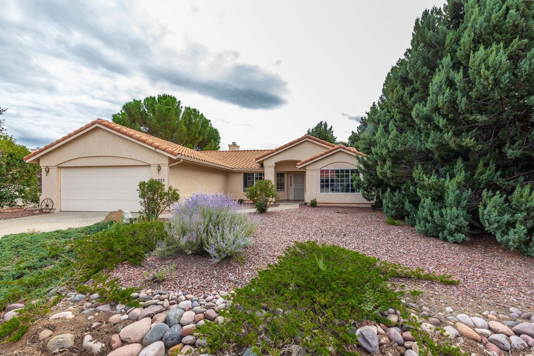 Single Family Homes for Sale at Prescott Country Club 11055 Lariat Lane Dewey Humboldt, Arizona 86327 United States