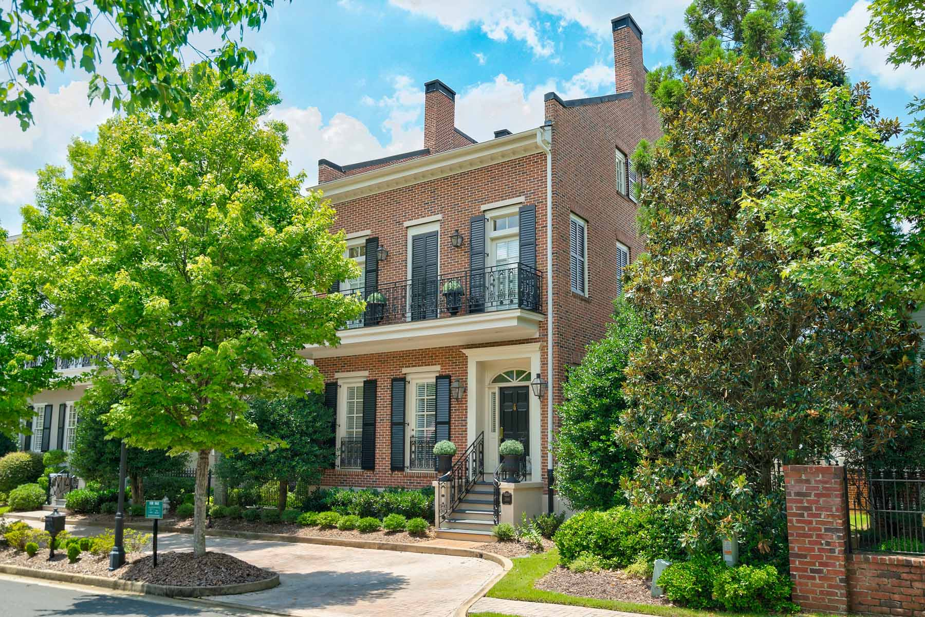 Single Family Homes for Active at Beautifully Maintained In Sweet Bottom Plantation 3869 Saint Elisabeth Square Duluth, Georgia 30096 United States
