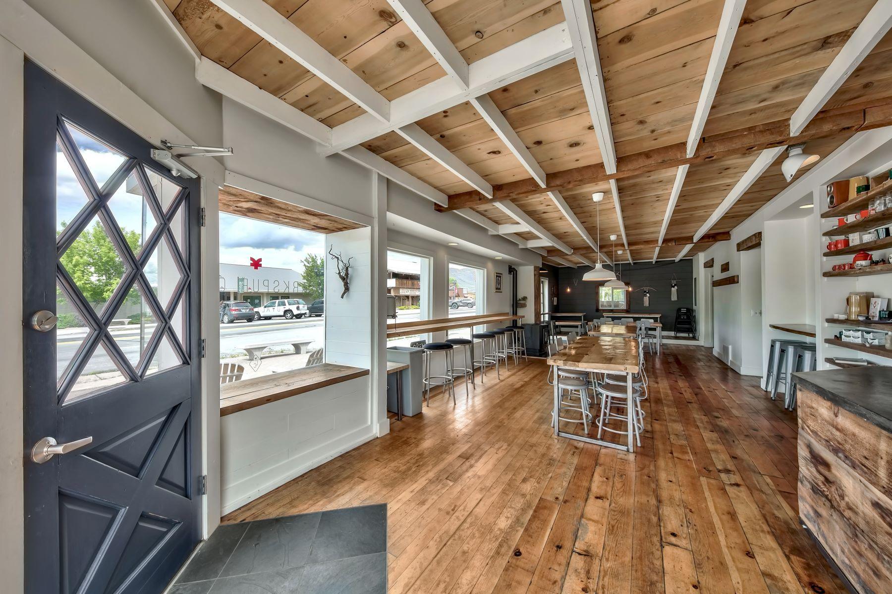 por un Venta en Own your own cafe. 700 Main Street Loyalton, California 96118 Estados Unidos