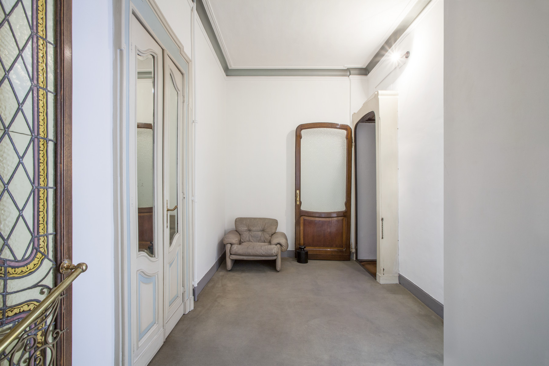 Additional photo for property listing at Exquisite apartment Art Nouveau style Via Duchessa Jolanda Torino, Turin 10138 Italia