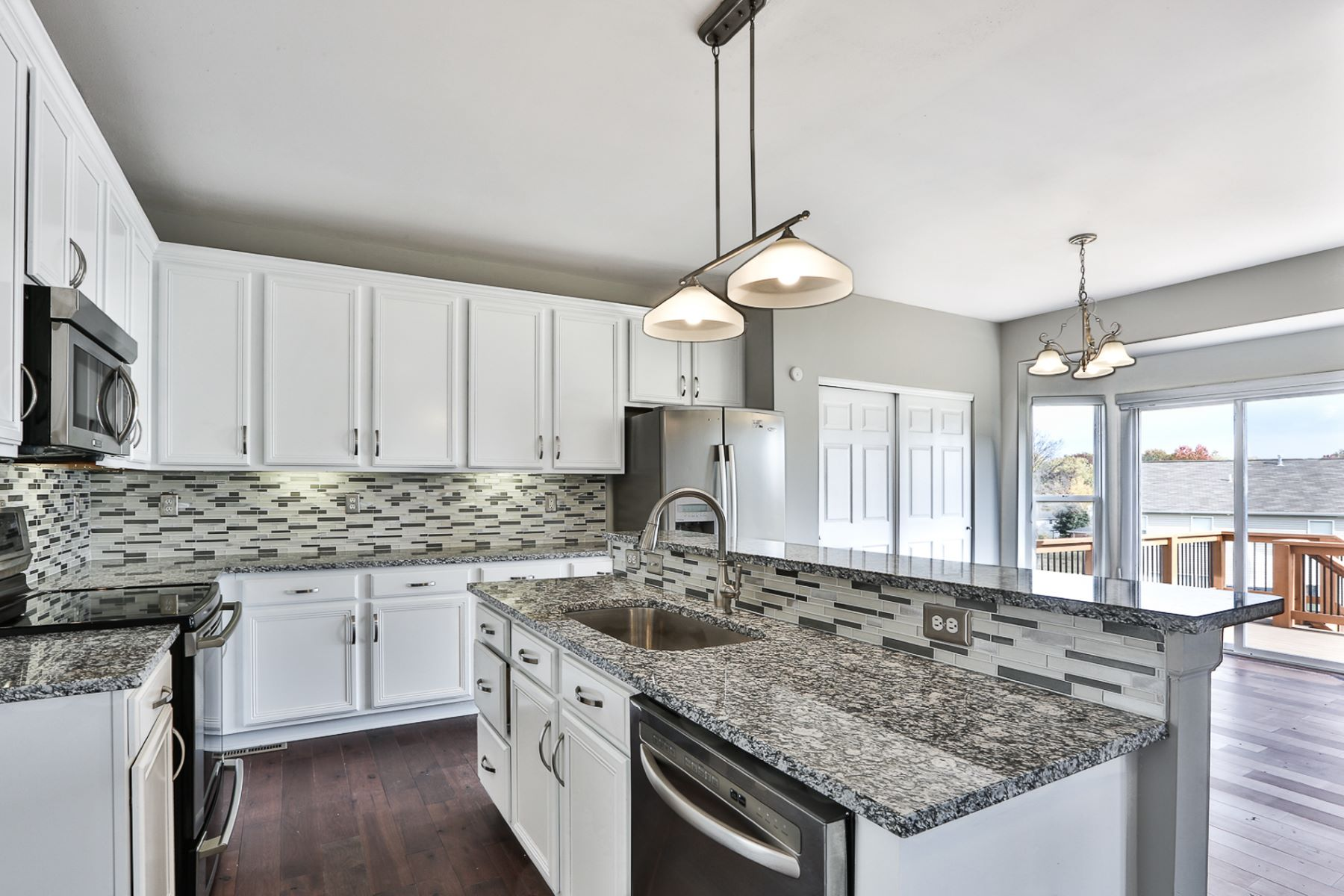 Additional photo for property listing at Shorewinds Trail 1331 Shorewinds Trail St. Charles, Missouri 63303 United States