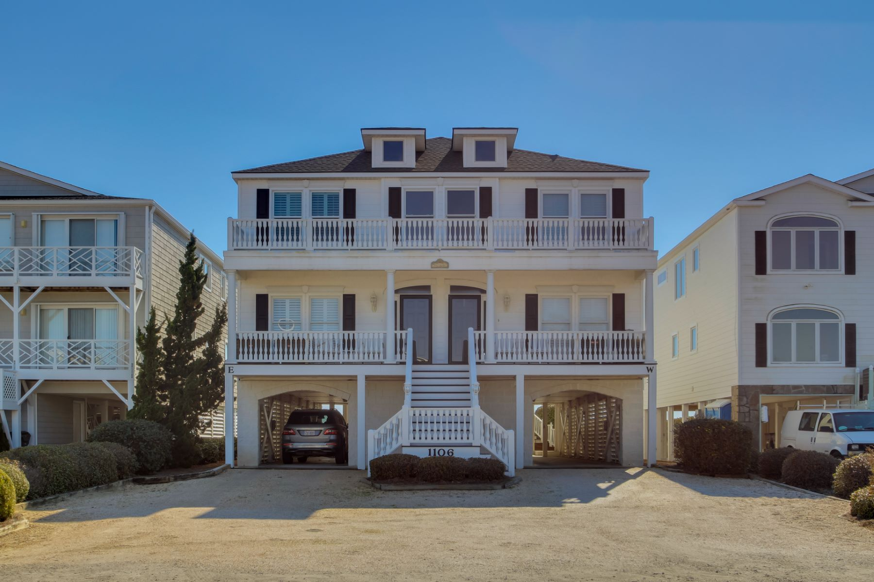 部分所有权 为 销售 在 Have this Elegant Oceanfront 5 Weeks a Year! 1106 E Main Street B Sunset Beach, 北卡罗来纳州, 28468 美国