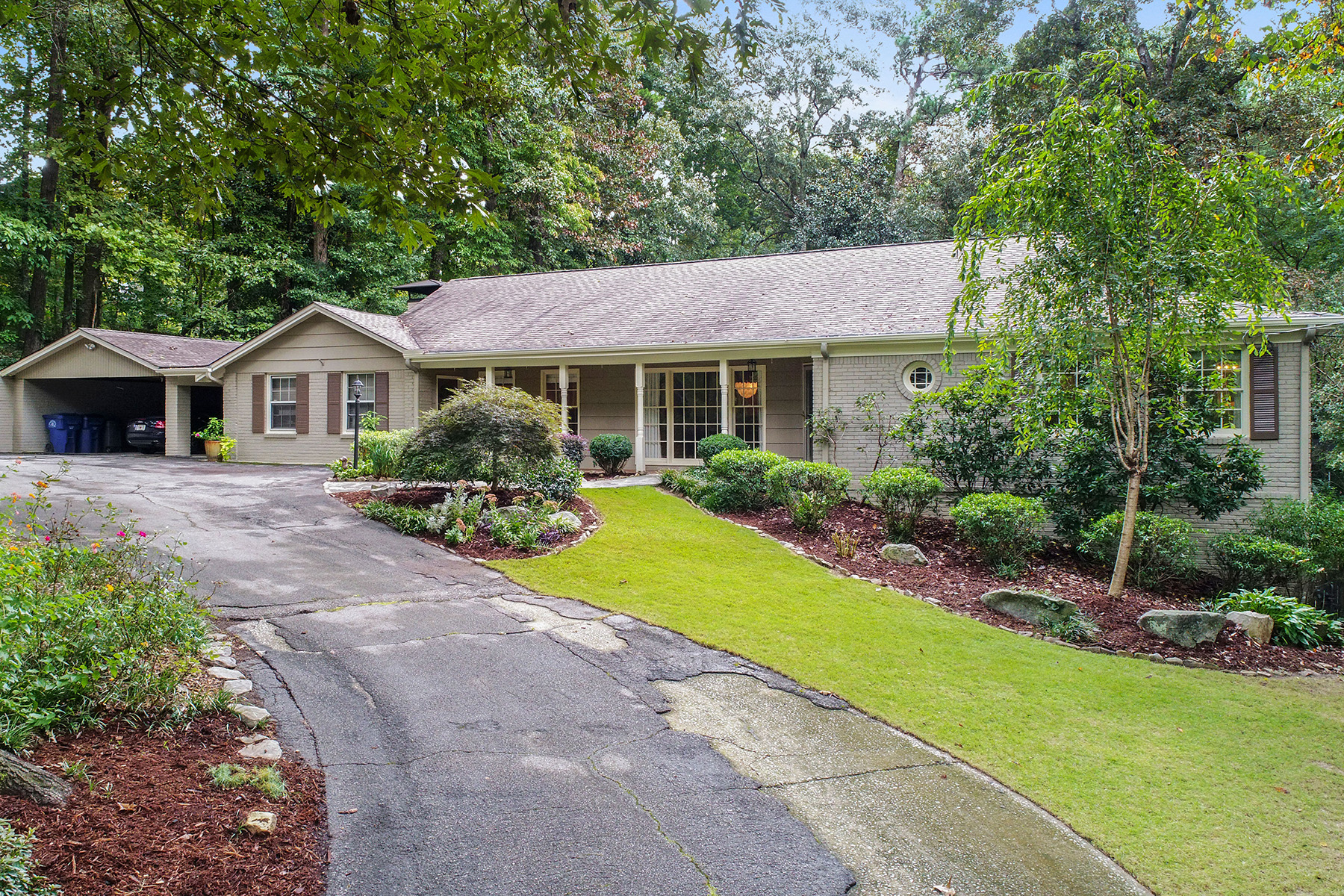 Single Family Home for Sale at Beautiful Ranch With Pool in Prime Mt. Paran Parkway Neighborhood 976 Swathmore Dr Atlanta, Georgia 30327 United States