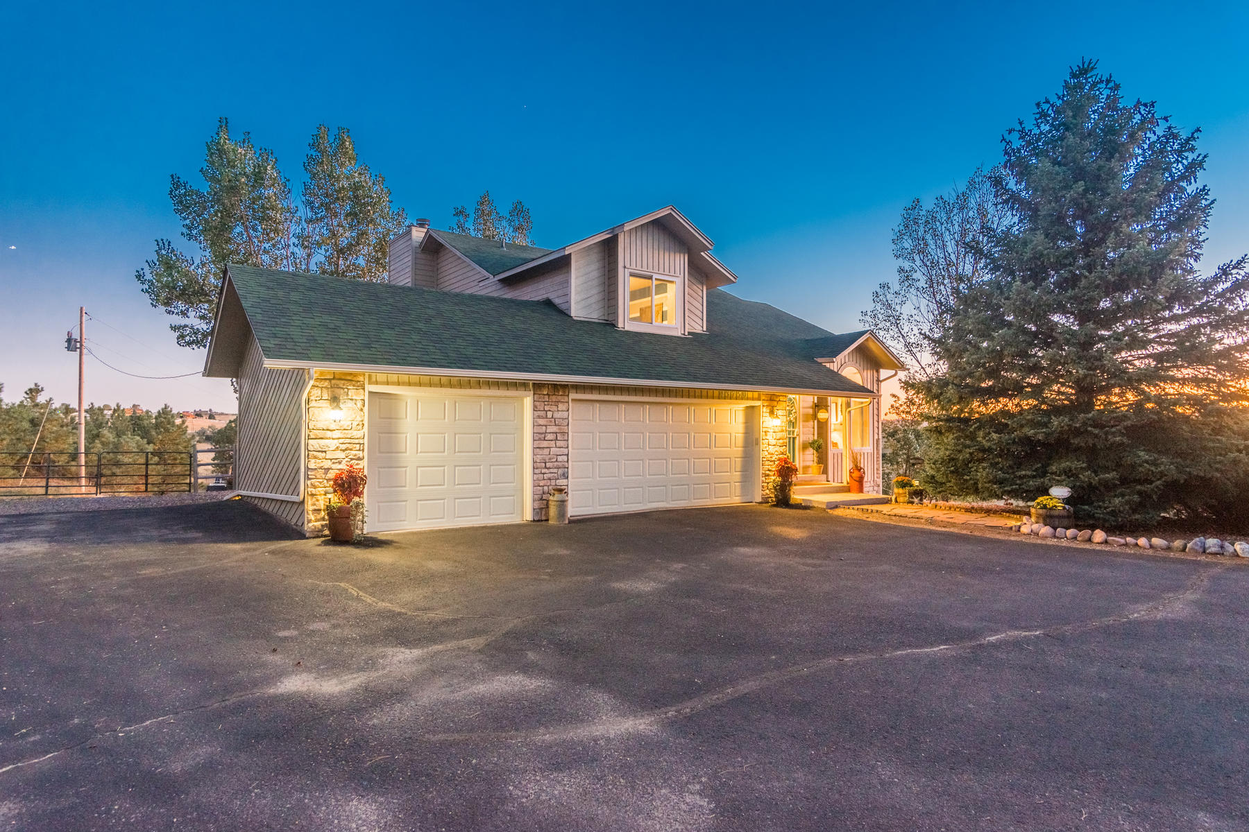 Single Family Homes 为 销售 在 Welcome to peaceful, private country living! 43750 Buckskin Rd 帕克, 科罗拉多州 80138 美国