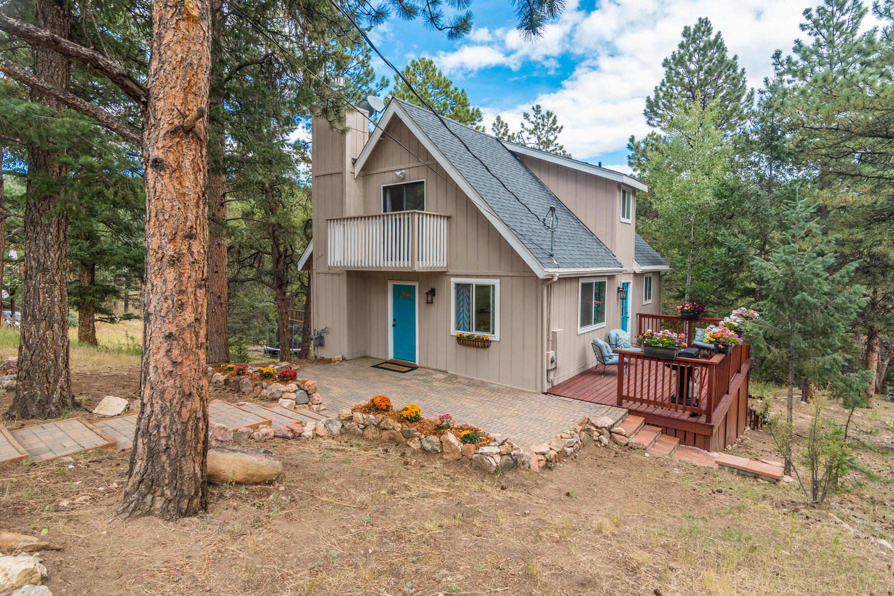 Single Family Homes for Active at Adorable cottage nestled in the mountains of Bailey 476 North Hill Drive Bailey, Colorado 80421 United States