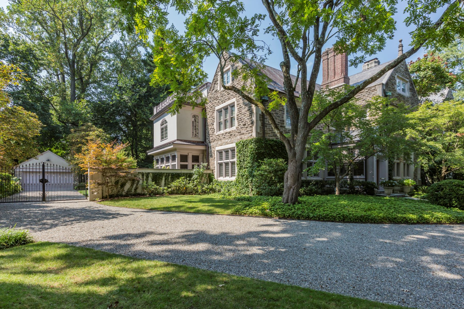 Additional photo for property listing at Magnificent Western Section Home Honors the Past 94 Library Place, Princeton, New Jersey 08540 United States