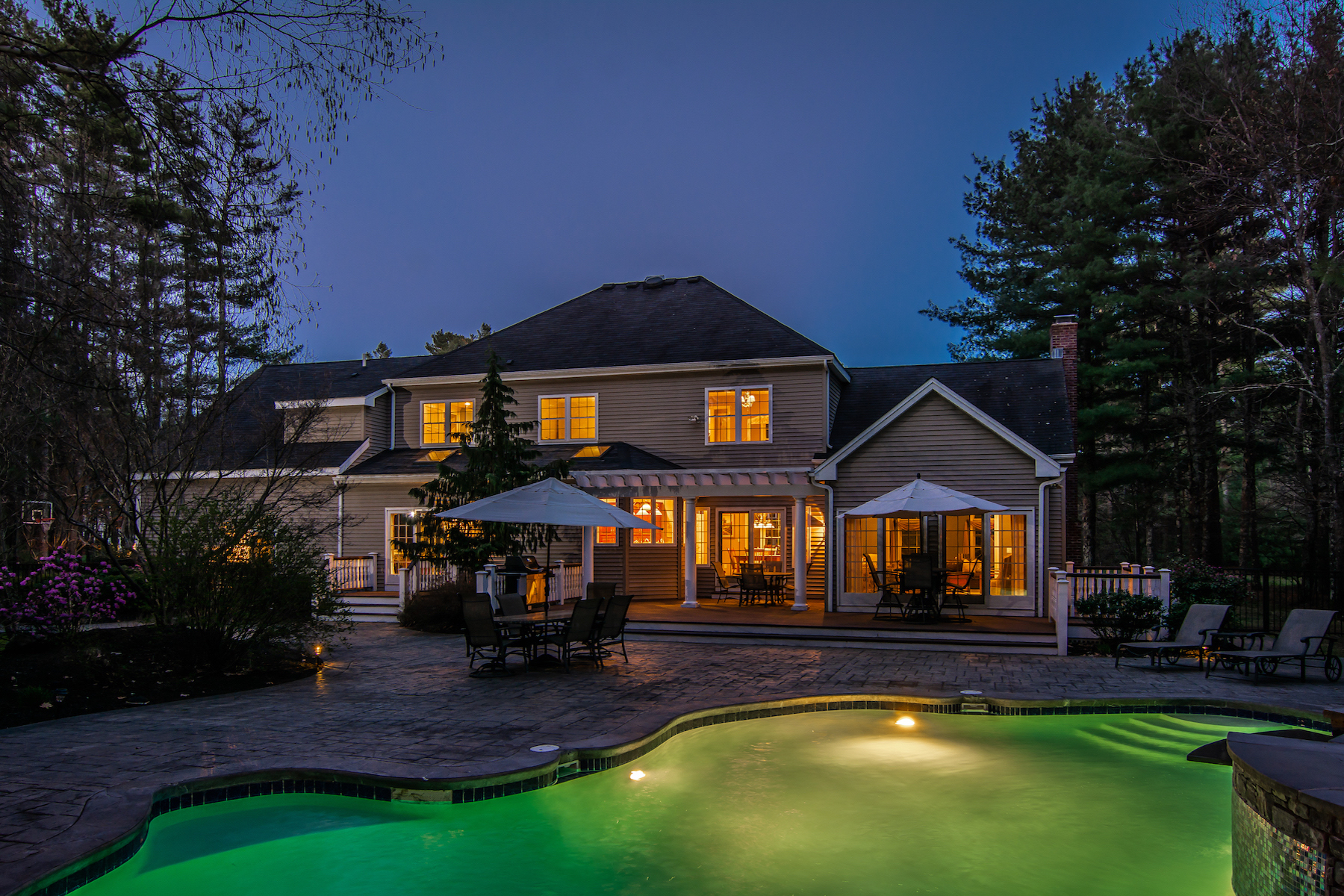 Single Family Home for Active at Meticulously Maintained Colonial 7 River Bend Road Upton, Massachusetts 01568 United States