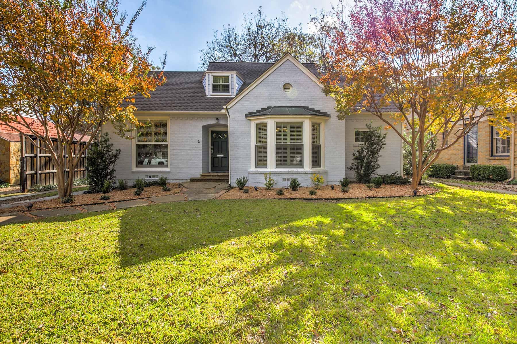 Nhà ở một gia đình vì Bán tại Stunning M Street with Deep Lot 5924 McCommas Boulevard, Dallas, Texas, 75206 Hoa Kỳ