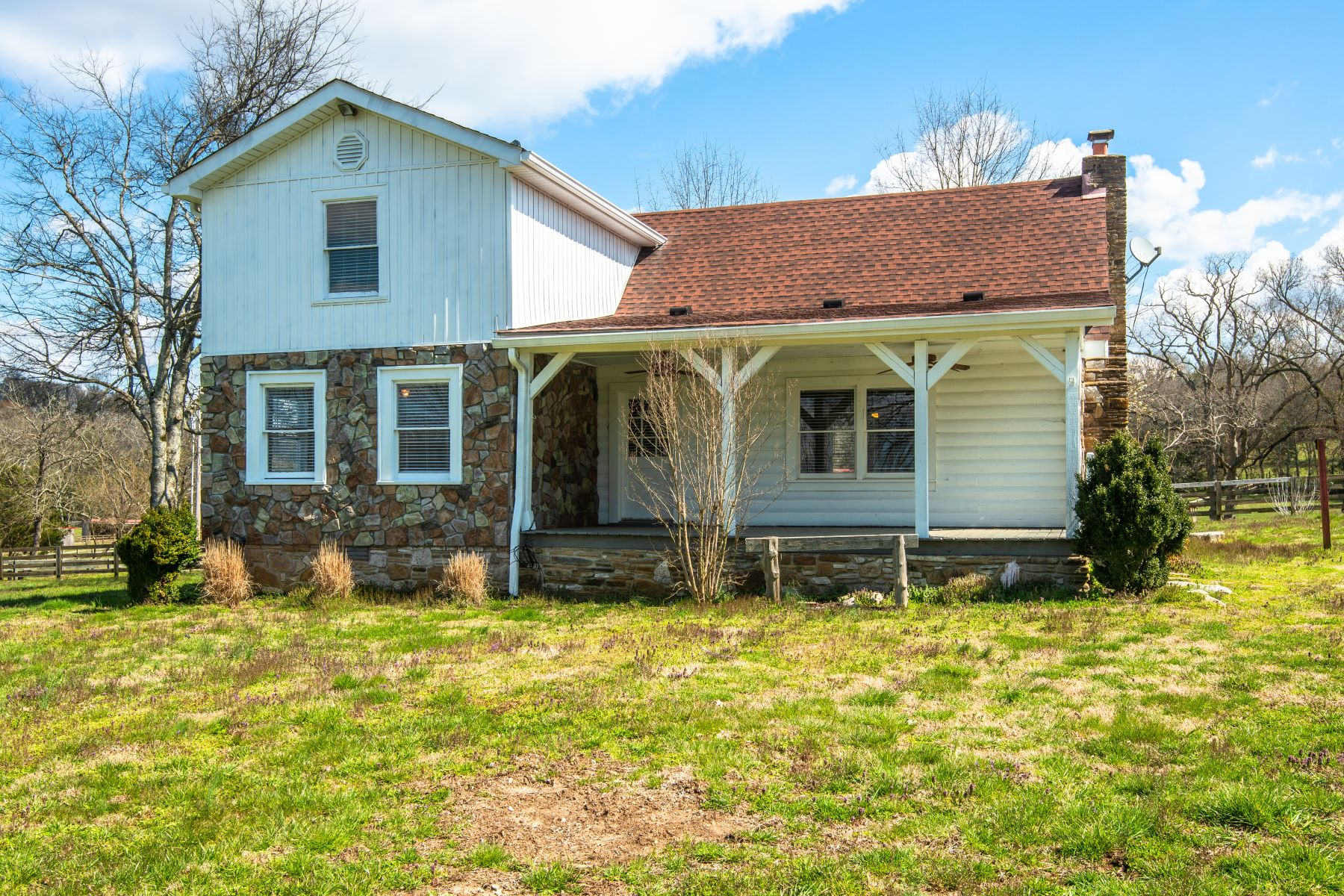 Single Family Home for Sale at Farm and Log Cabin 3088 Wilson Pike Franklin, Tennessee 37067 United States