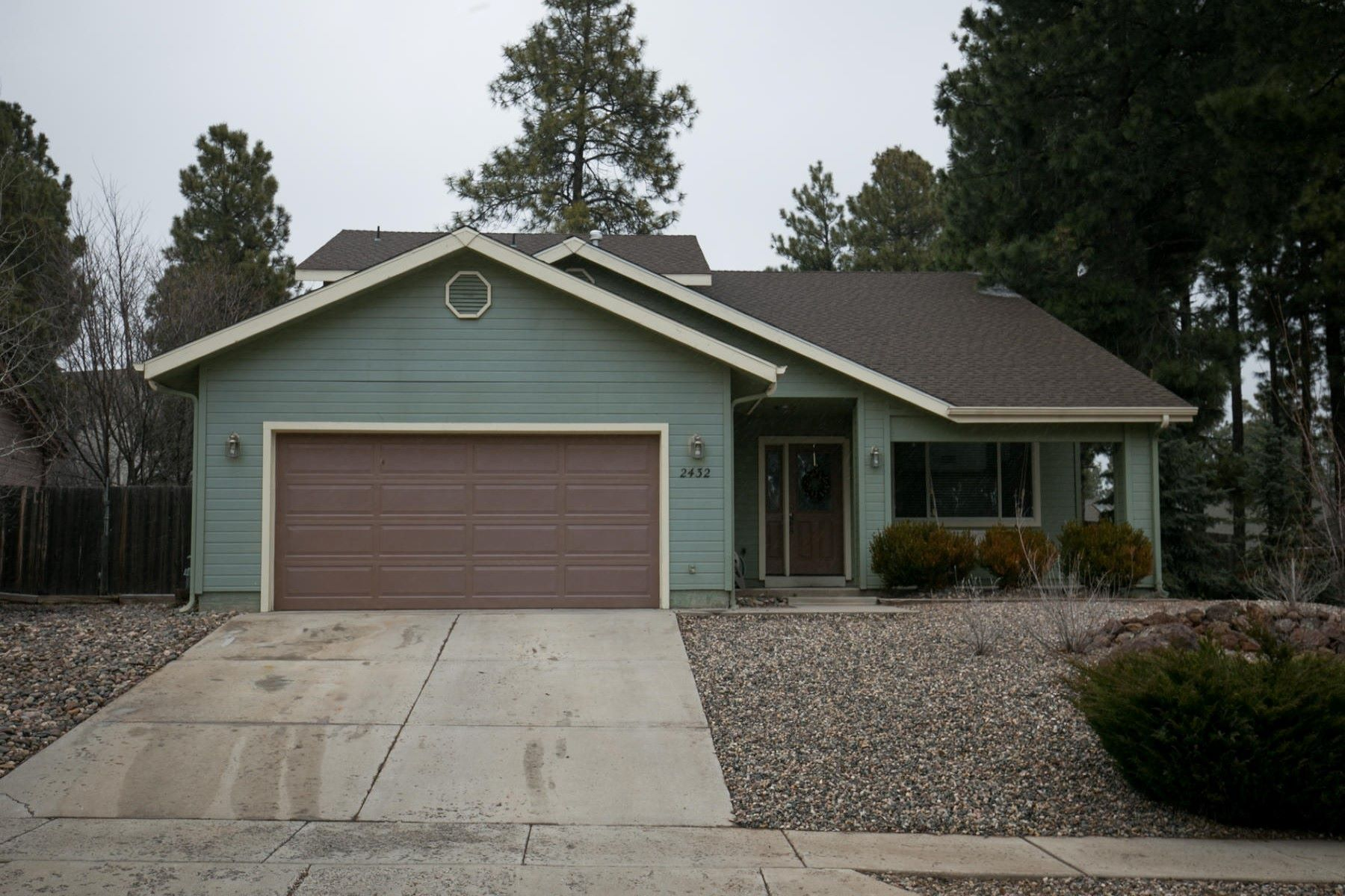 Single Family Home for Sale at Spectacular home in the ever-popular Boulder Pointe neighborhood 2432 S Rocking Horse Ln Flagstaff, Arizona, 86001 United States
