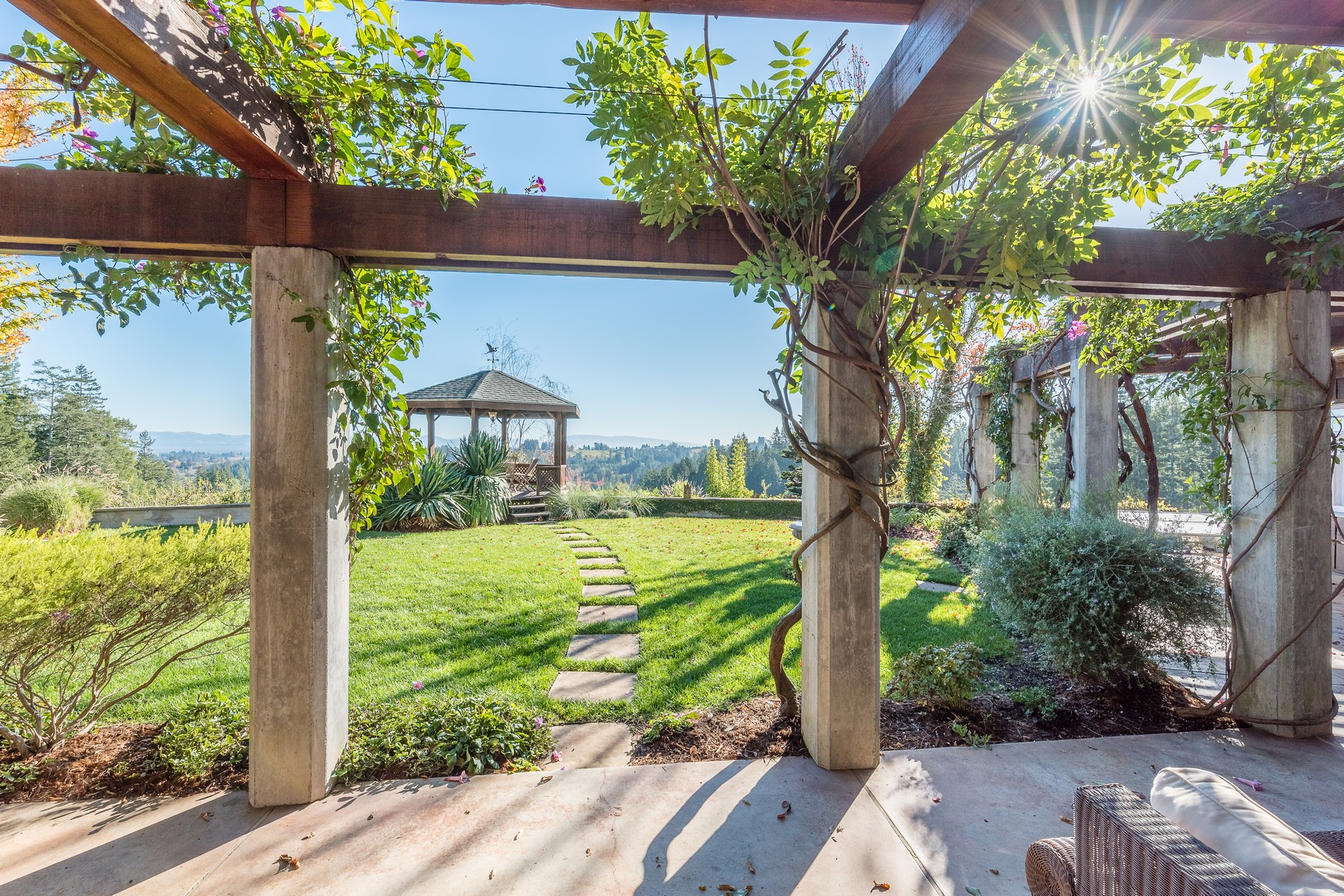 Single Family Home for Sale at Sunrise Ridge 12389 Dupont Road, Sebastopol, California, 95472 United States