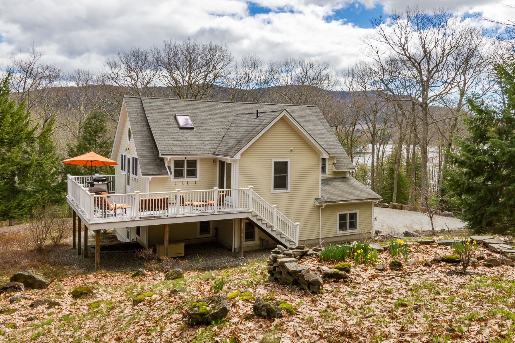 Casa para uma família para Venda às 91 Carle Farm Road Camden, Maine, 04843 Estados Unidos
