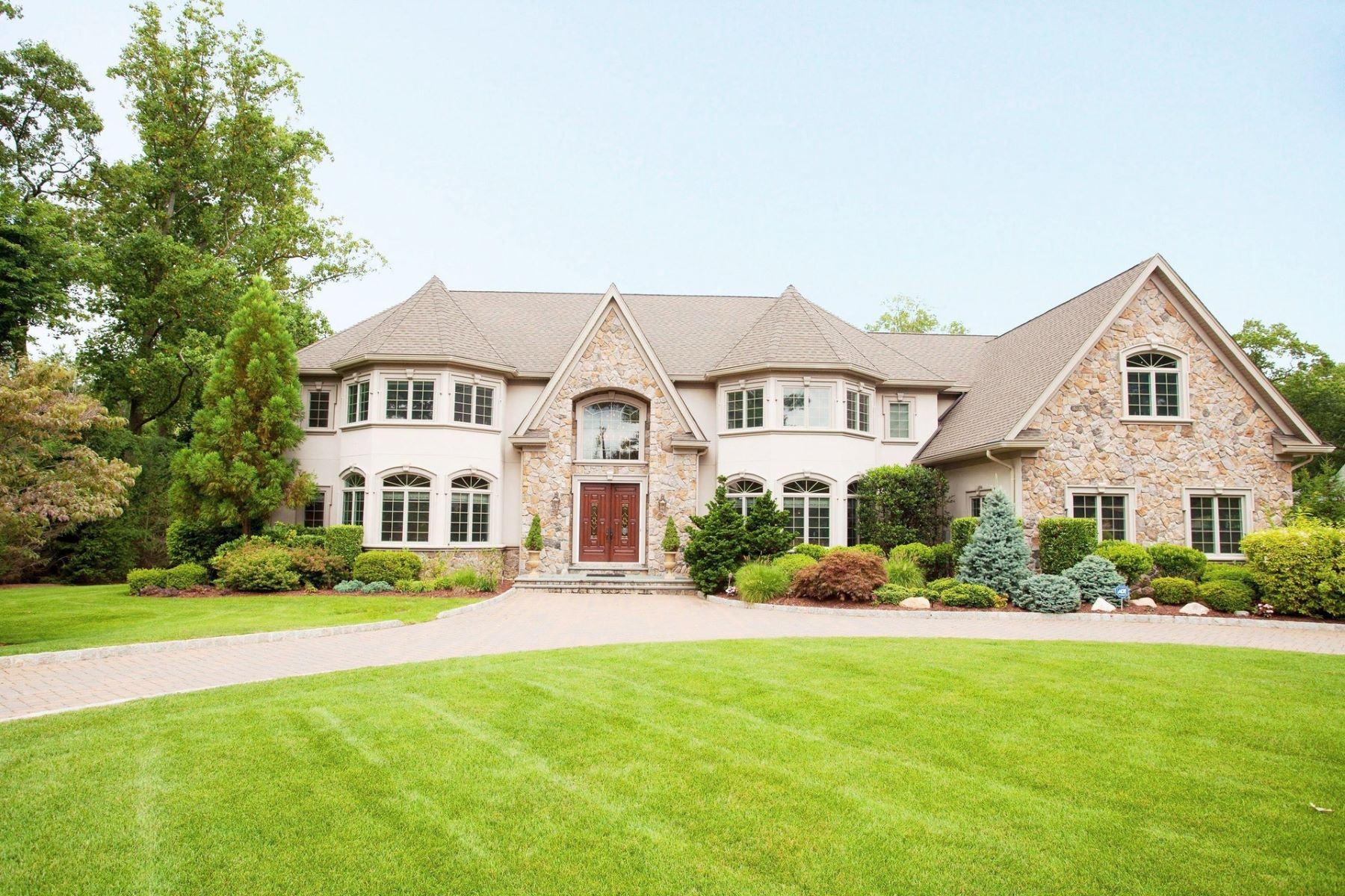 Single Family Homes 为 销售 在 Exclusive Gated Estate 291 Chestnut Ridge Road, Woodcliff Lake, 新泽西州 07677 美国