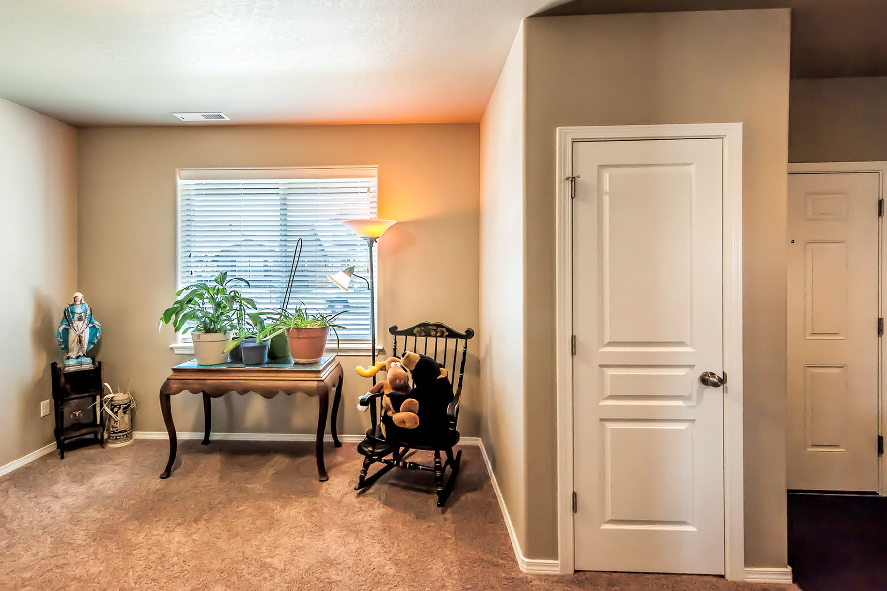 Single Family Homes for Sale at Graceful layout in welcoming neighborhood 1224 SW Settlement Street College Place, Washington 99324 United States
