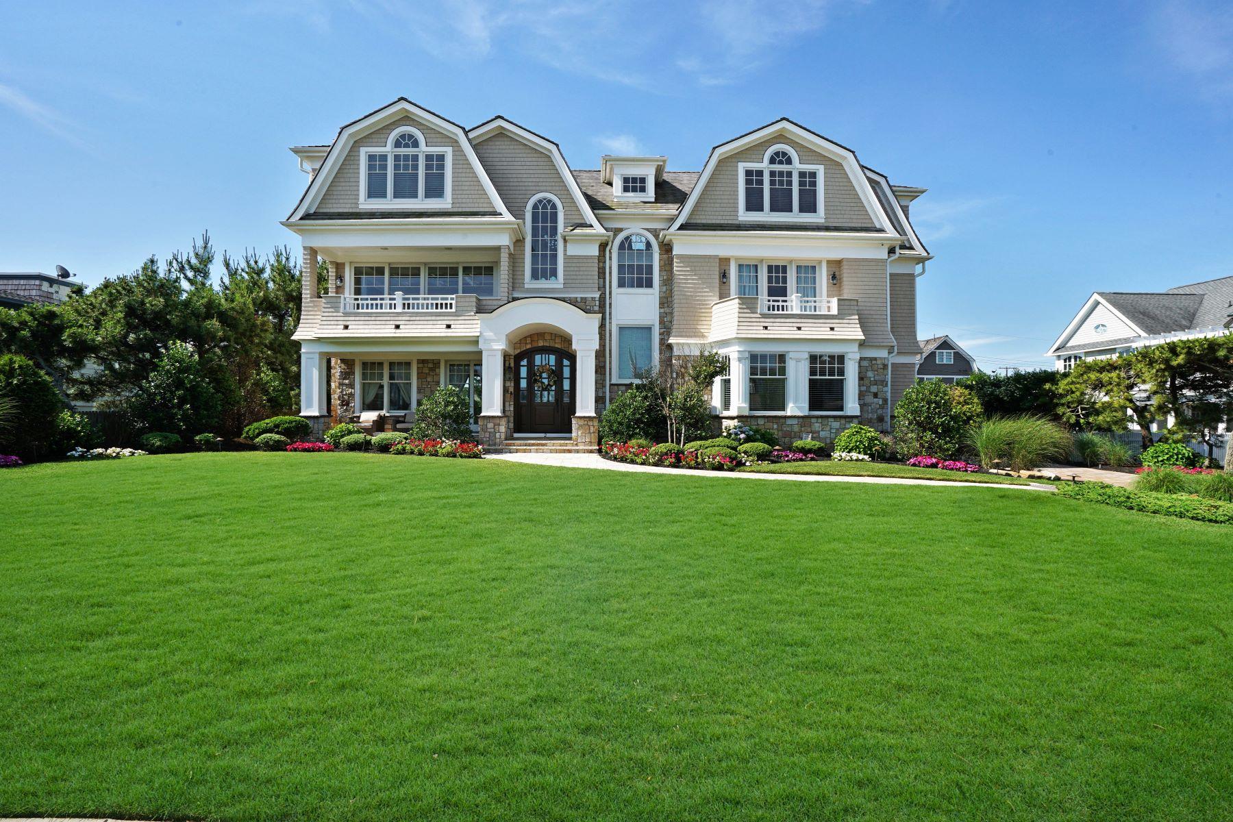 Single Family Homes por un Venta en Perfection Knows No Boundaries 2 Neptune Place Sea Girt, Nueva Jersey 08750 Estados Unidos