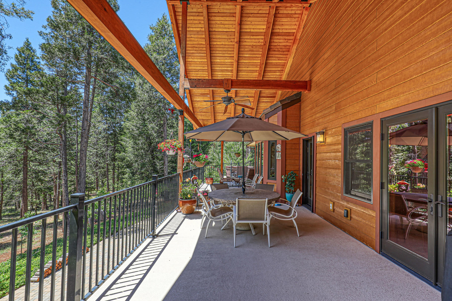 Additional photo for property listing at Custom Tahoe-Style Eco Home 13905 Gemini Court Nevada City, California 95959 United States