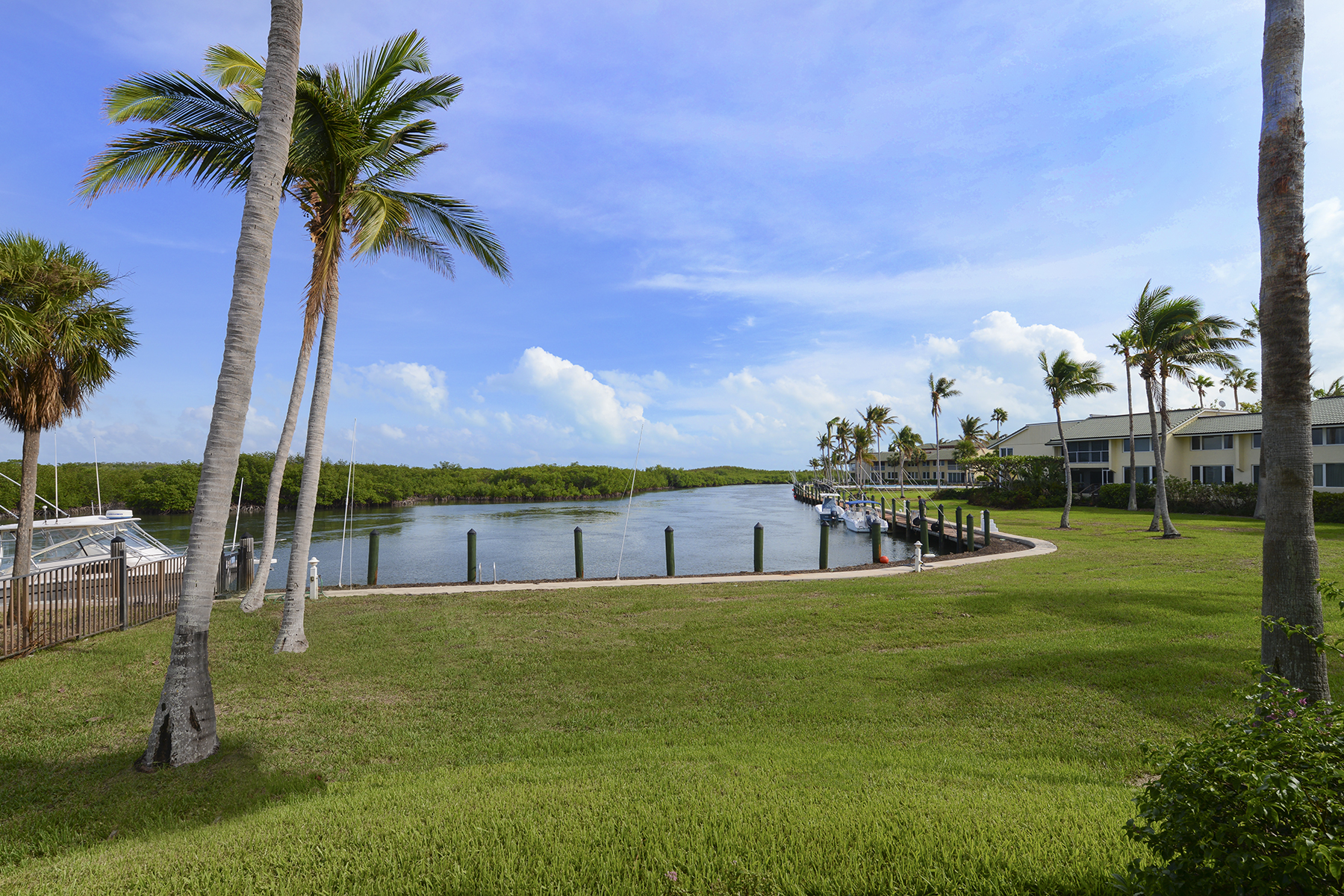 Additional photo for property listing at Waterfront Condominium at Ocean Reef 1 Pumpkin Cay Road, Unit A Key Largo, Florida 33037 Estados Unidos
